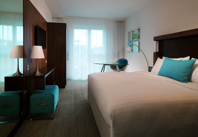 courtyard by marriott cologne hotels hotels restaurants cologne deutschland tel. Black Bedroom Furniture Sets. Home Design Ideas