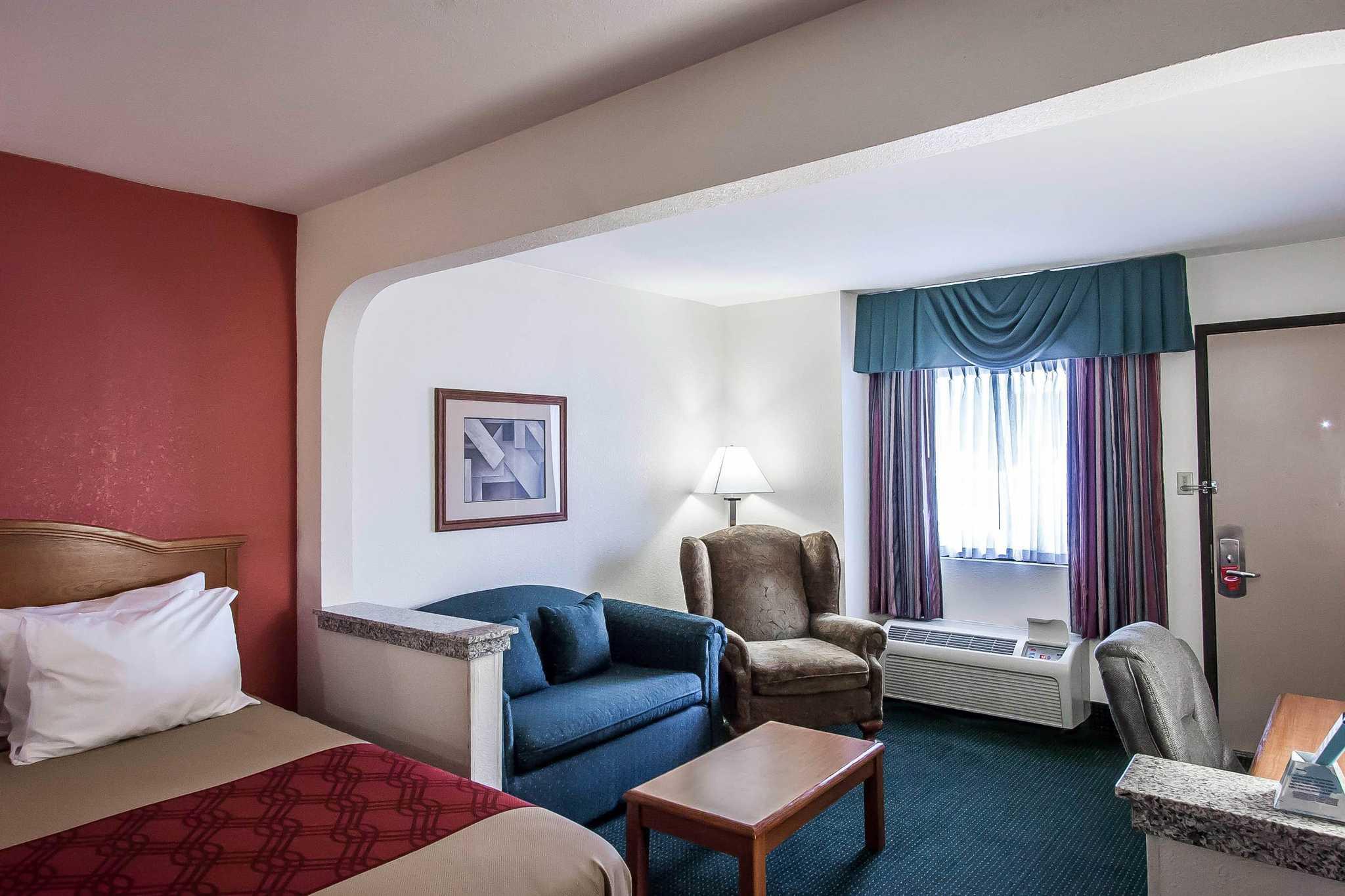 Econo Lodge Inn Amp Suites Coupons Memphis Tn Near Me 8coupons