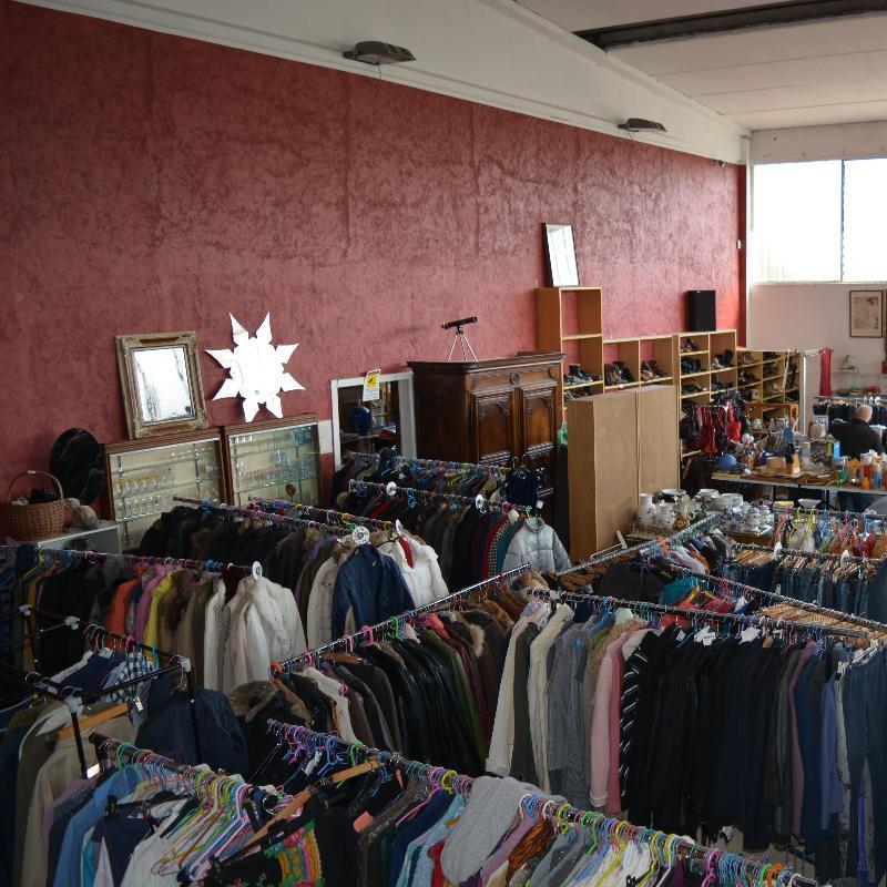 Affari da mercante centri commerciali e grandi magazzini for Grandi magazzini mobili