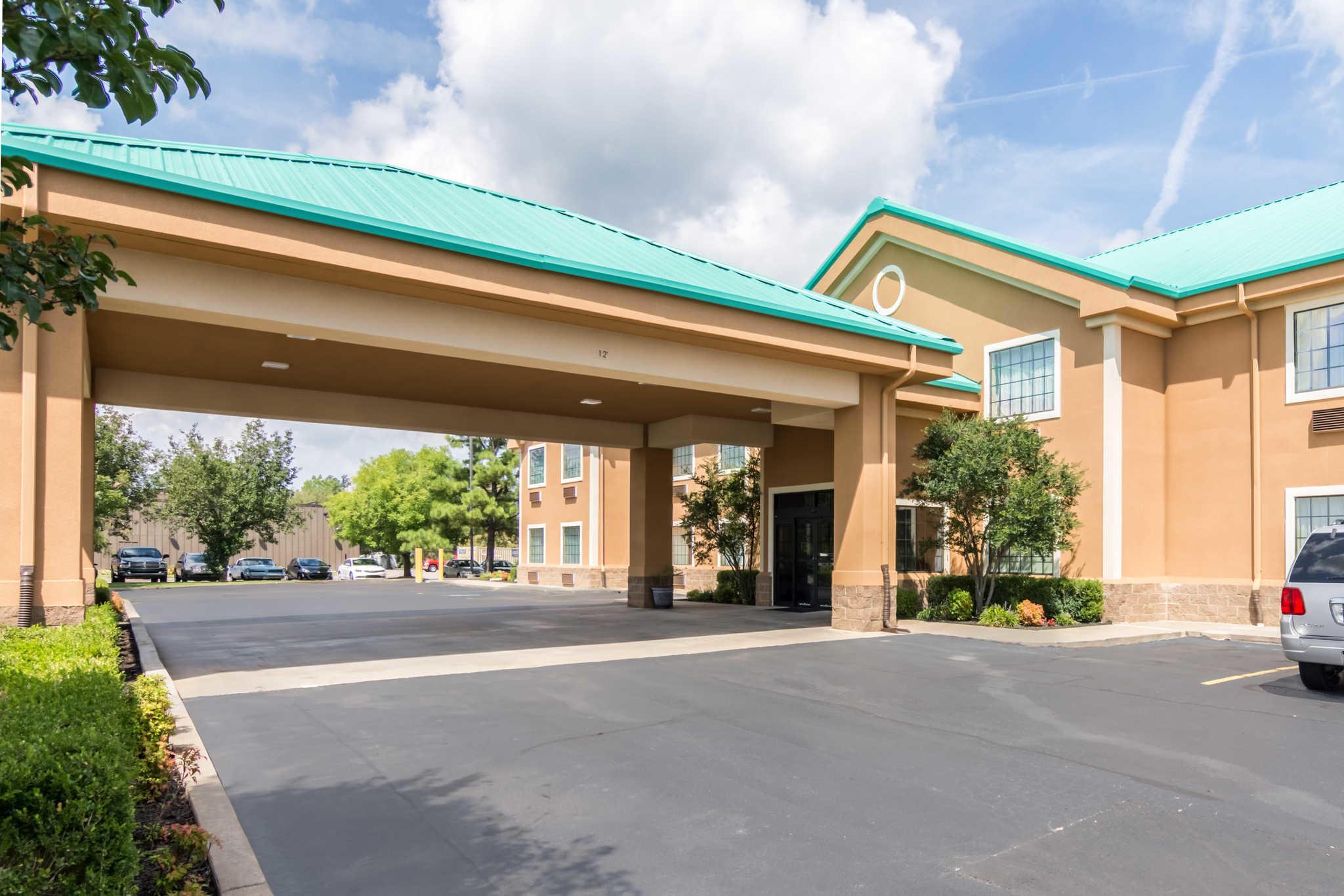 Quality Inn Amp Suites Alma Arkansas Ar Localdatabase Com