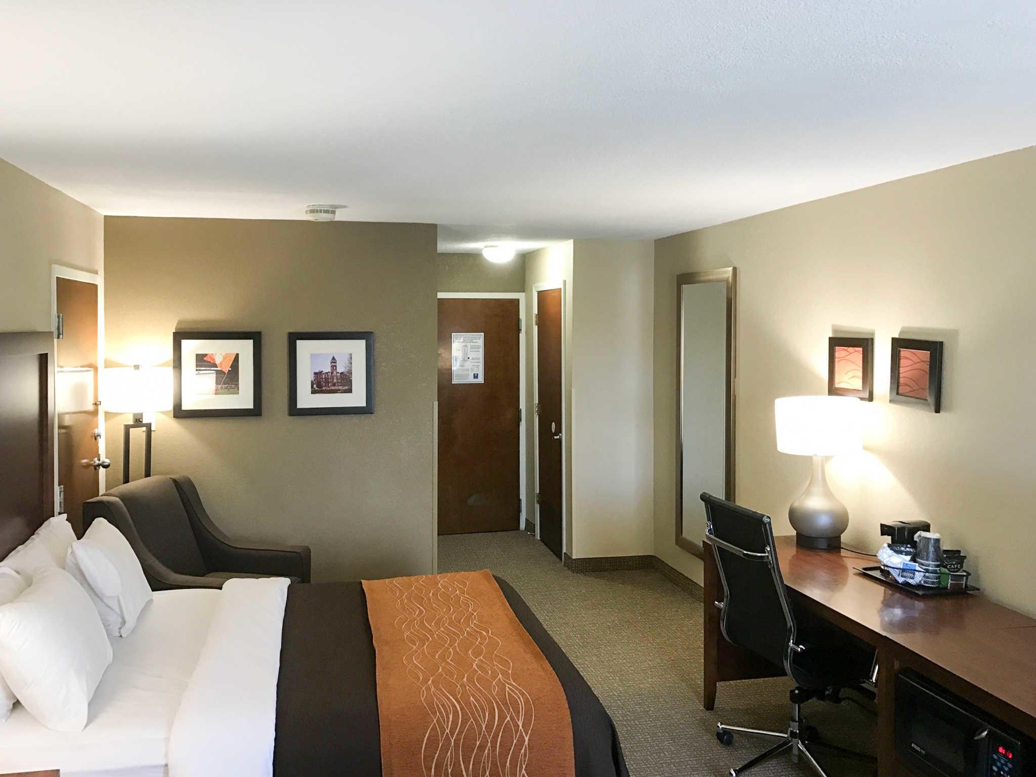 Hotel Rooms In Clemson Sc