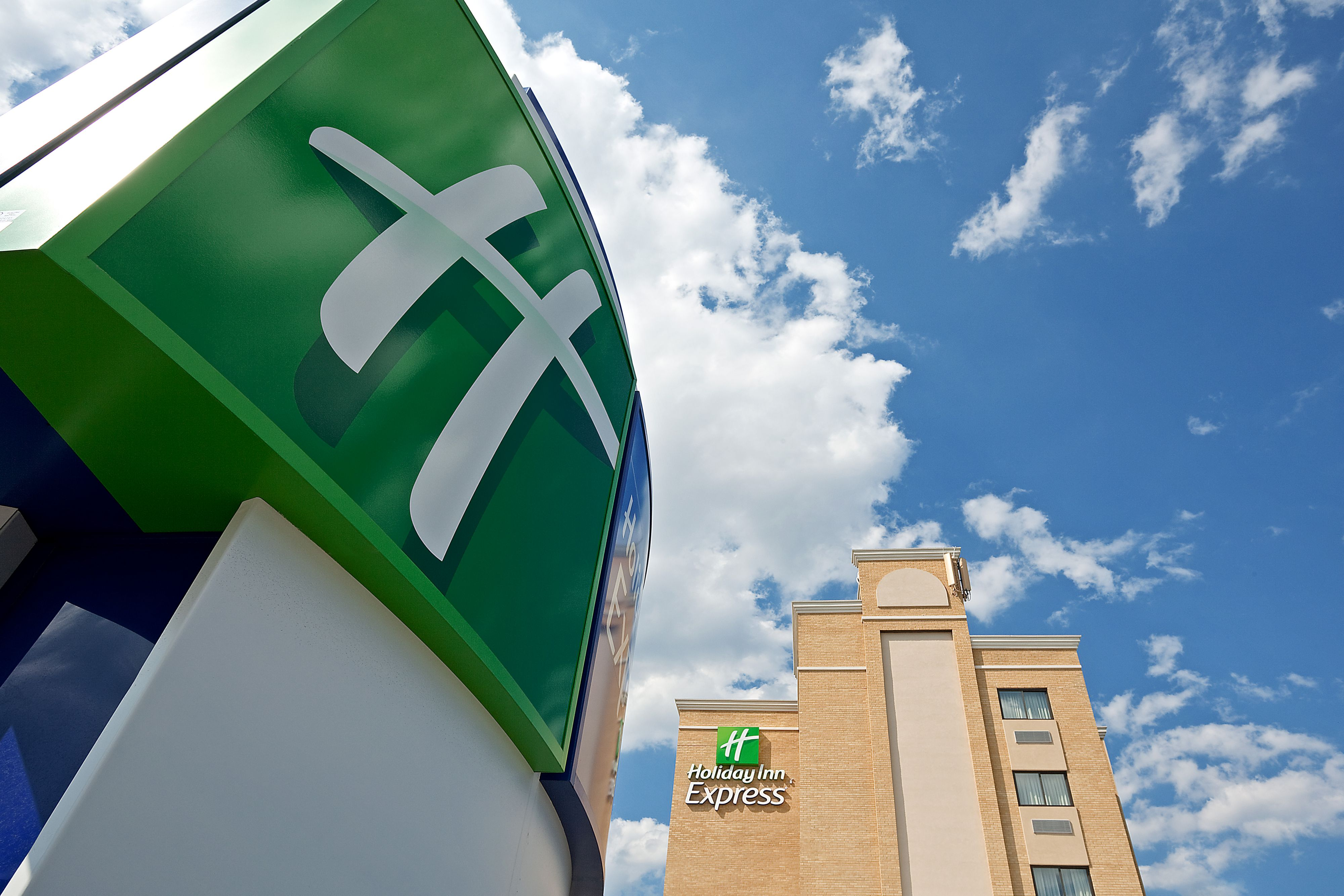 Holiday Inn Express Amp Suites Lafayette South Lafayette