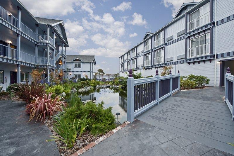 Best Western Plus Bayshore Inn