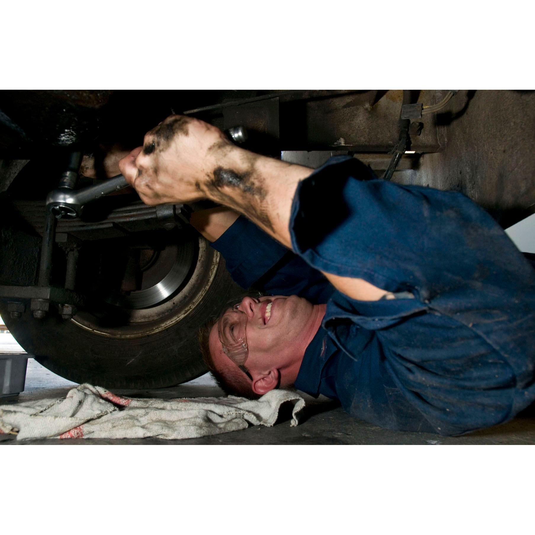 Noma's Auto Repair