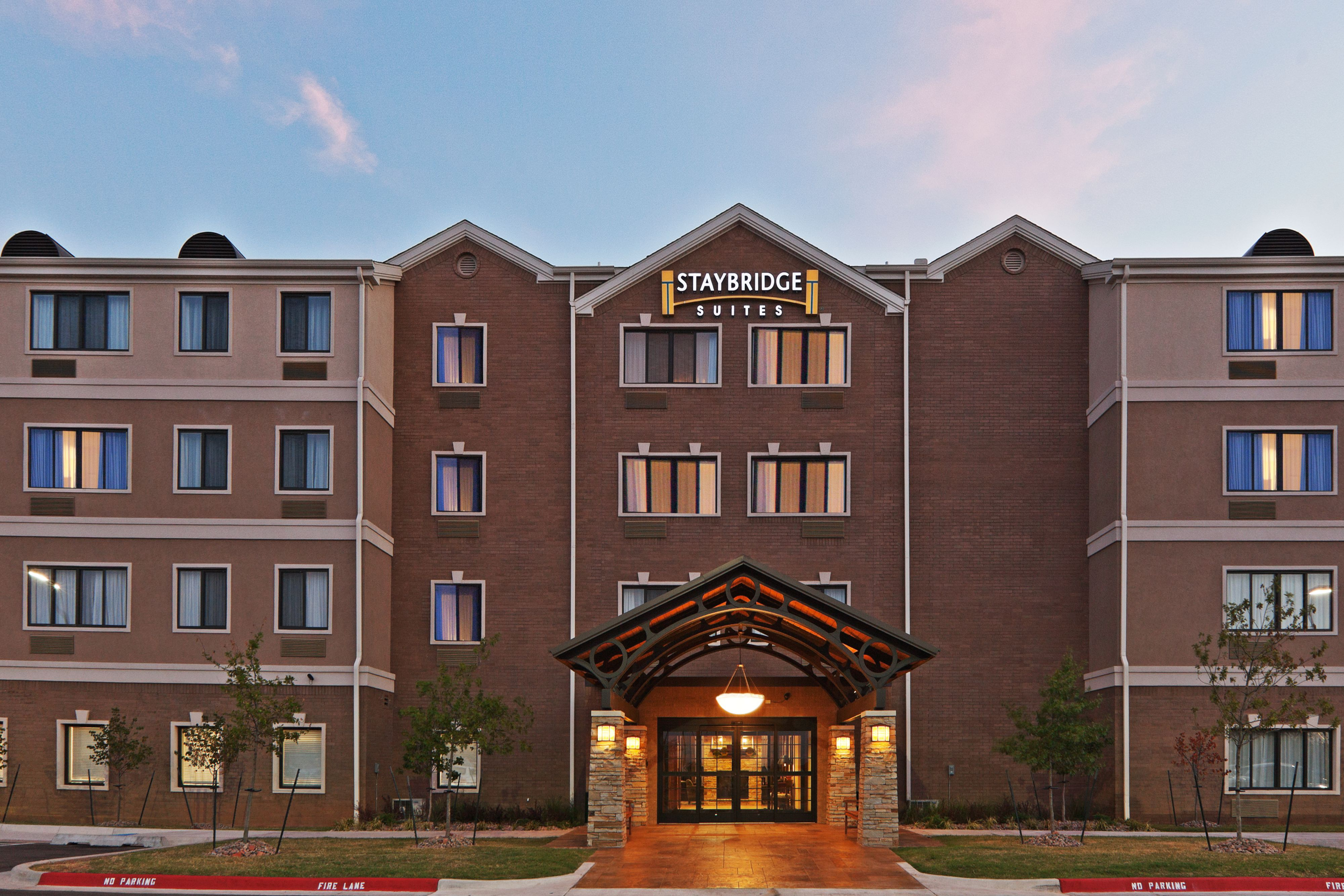Stonehorse Crossing Apartments offers luxury apartments in Quail Springs Oklahoma City, OK with the finest amenities. Visit our website for more information.