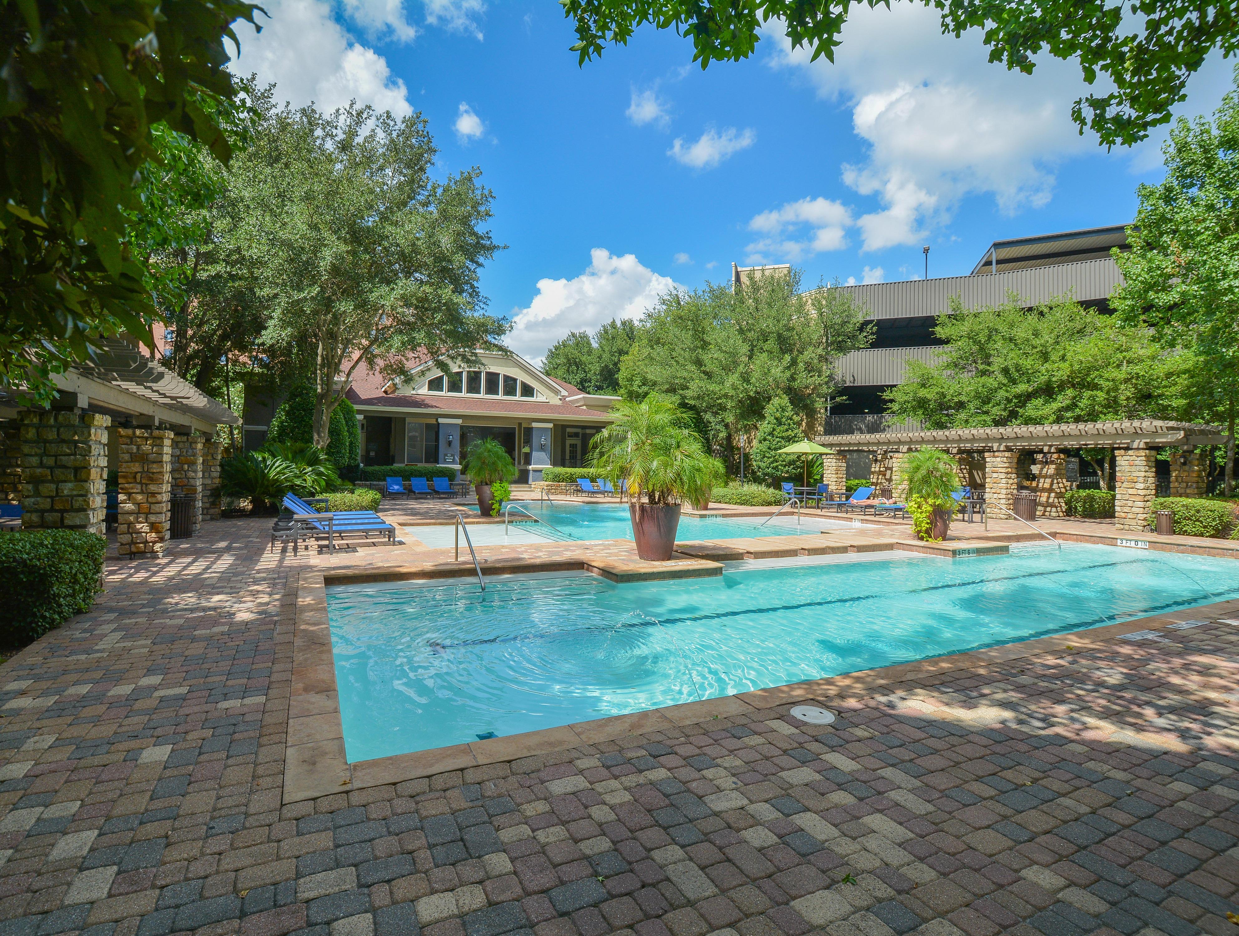 Villas At Hermann Park In Houston Tx 77021