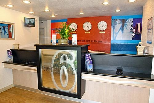 Motel 6 San Diego Hotel Circle - Mission Valley image 3
