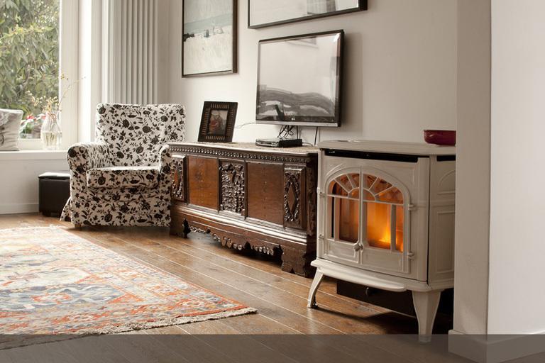 Casa giardino mobili a codroipo infobel italia for Novembre arredamenti