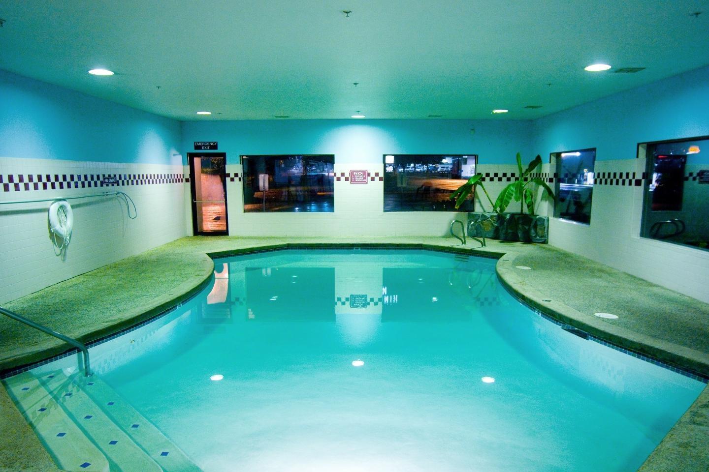Phoenix Inn Suites - South Salem image 10