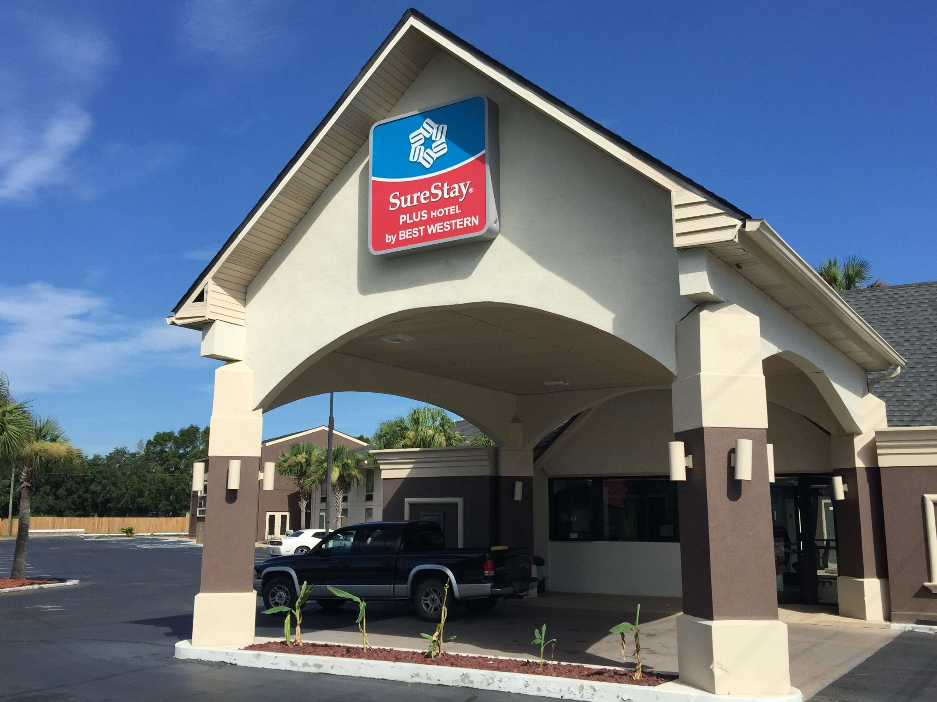 Surestay Plus Hotel By Best Western Pensacola  Pensacola Florida  Fl