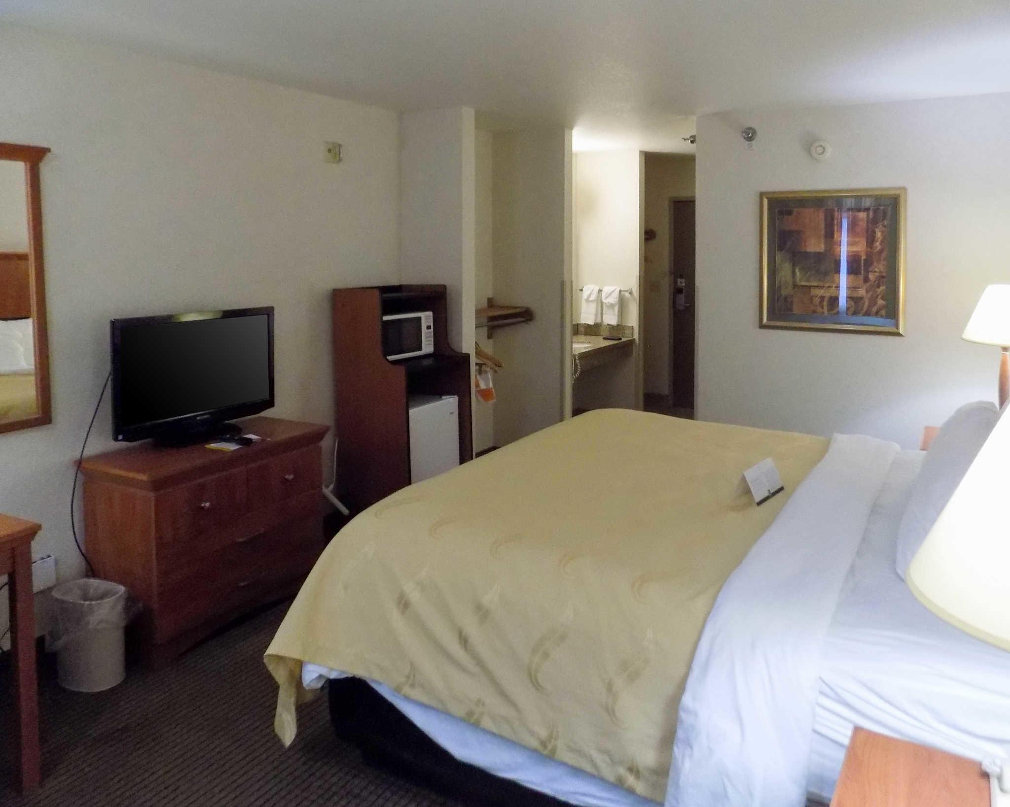 Quality Inn Pierre South Dakota Sd Localdatabase Com