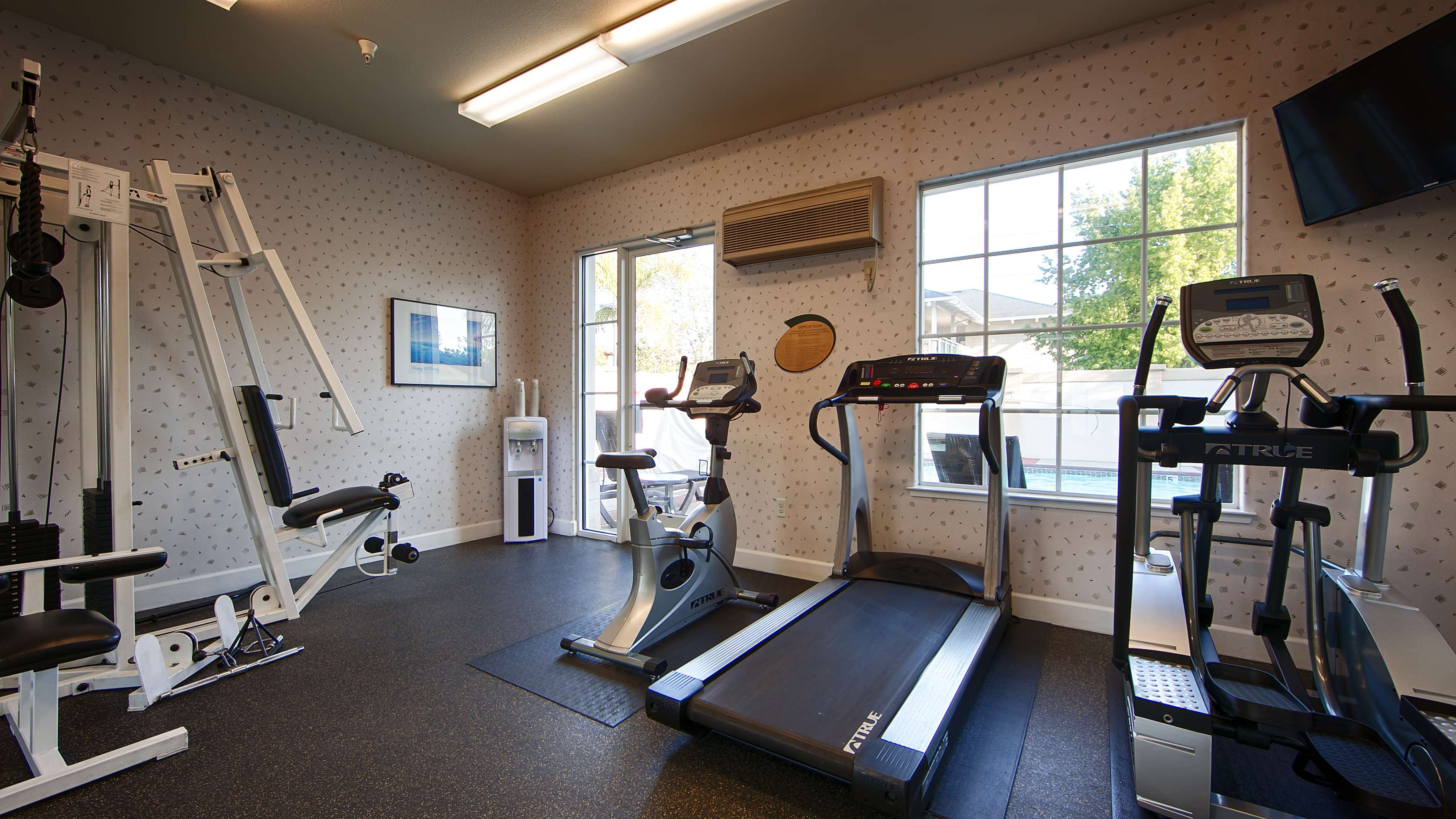 Best Western Plus Capitola By The Sea Inn Amp Suites In