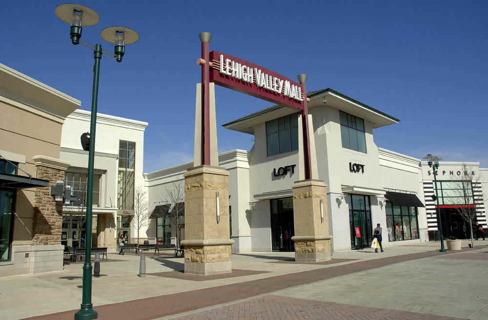 Lehigh Valley Mall, situated in Whitehall, USA, is a perfect venue for all types of events & trade shows. Information on Lehigh Valley Mall facilities, location, area of Lehigh Valley Mall, photos, videos and map can be found here.