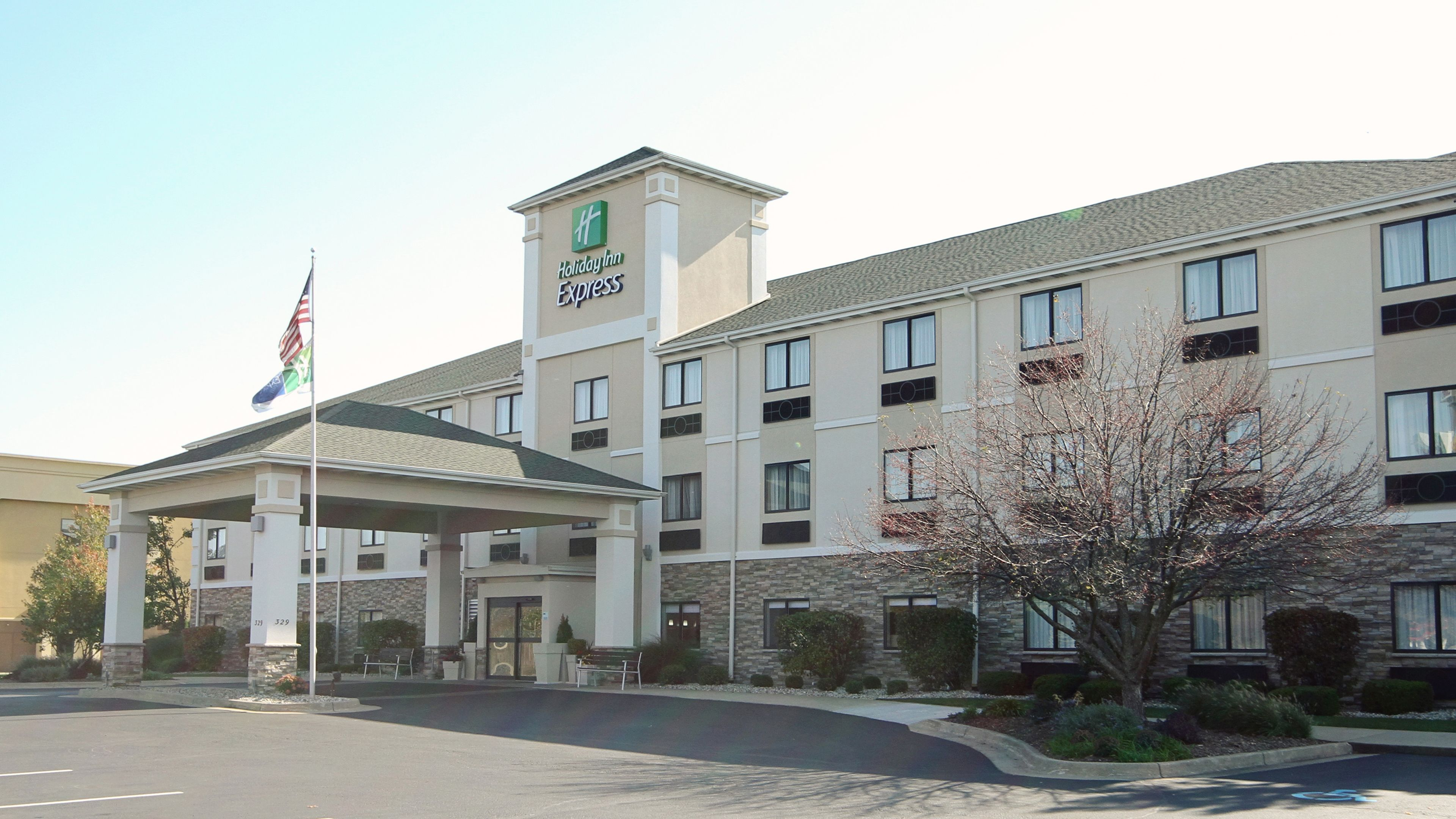 holiday inn express suites marion in marion oh 43302. Black Bedroom Furniture Sets. Home Design Ideas