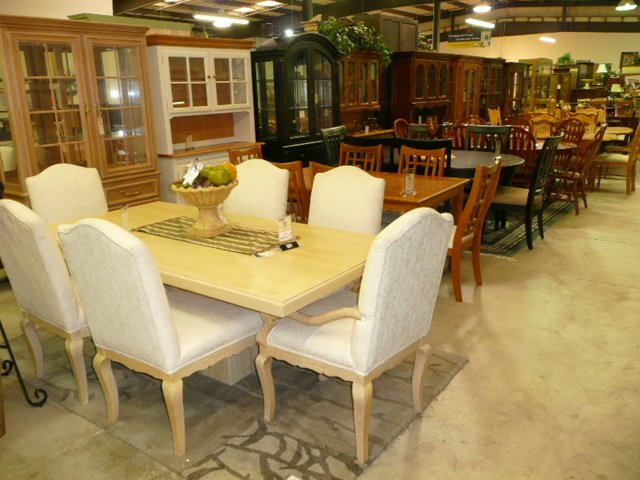 Upscale Consignment Furniture & Decor SE 82nd Dr