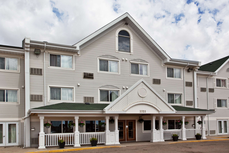 Country Inn & Suites by Radisson, Regina, SK in Regina: Hotel Exterior