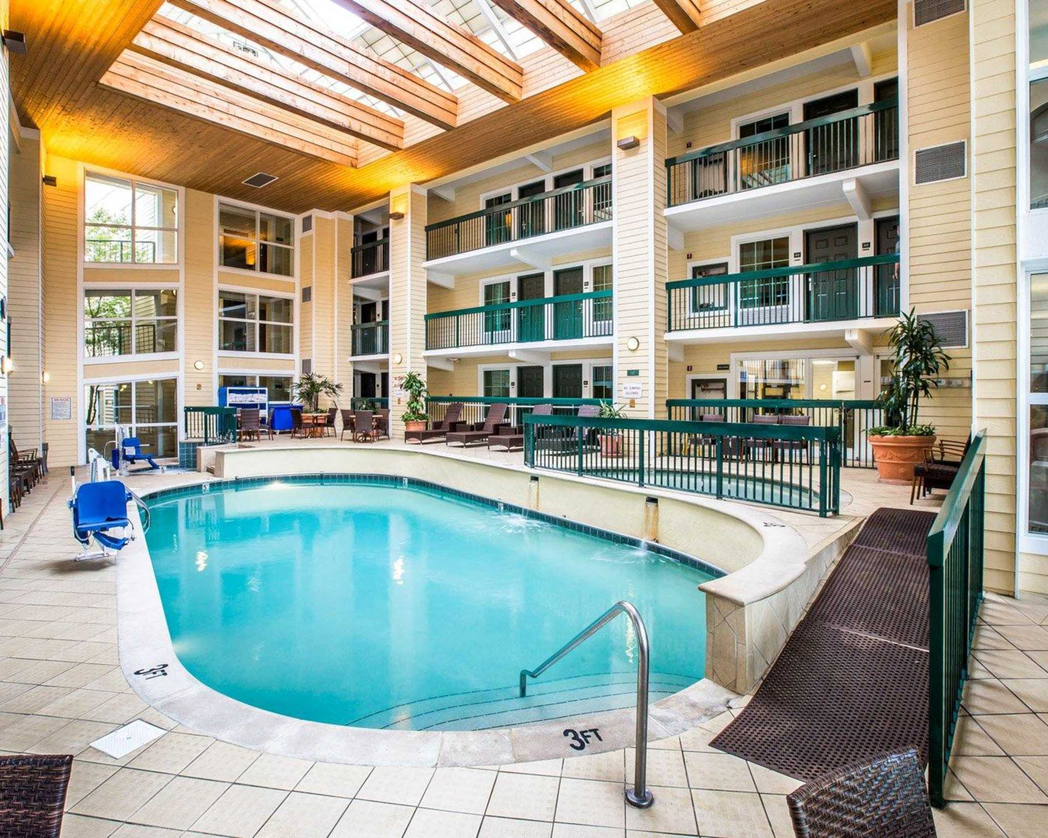 Econo Lodge Riverside Pigeon Forge Tennessee Tn Localdatabase Com