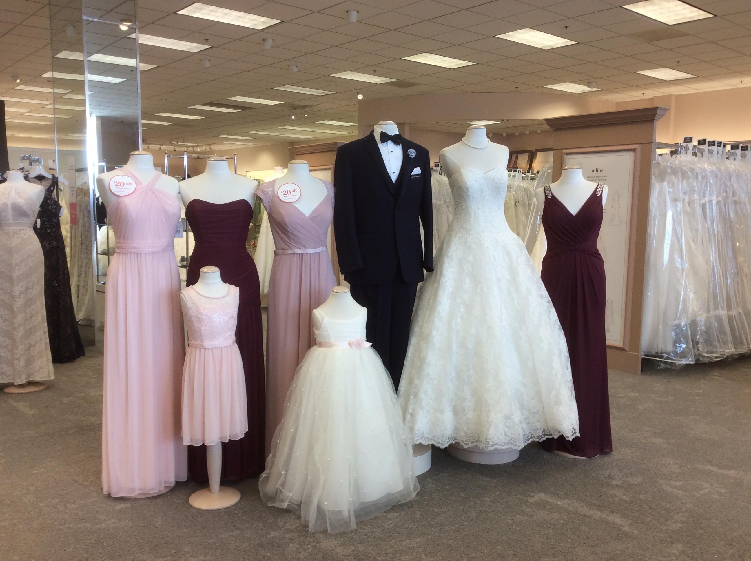David 39 s bridal in west fargo nd 58078 for Wedding dresses fargo nd