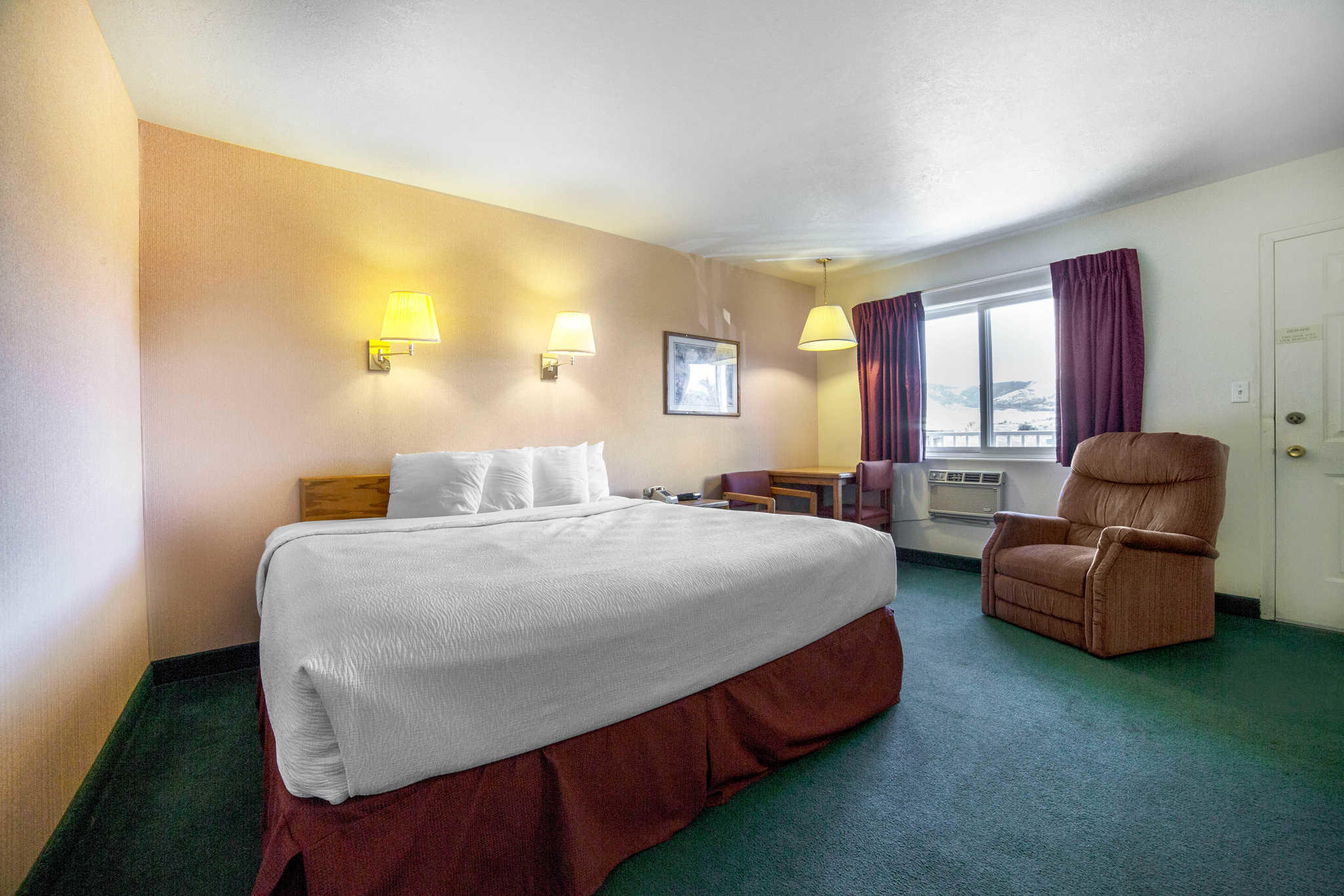 Rodeway Inn Coupons Near Me In Whitehall 8coupons