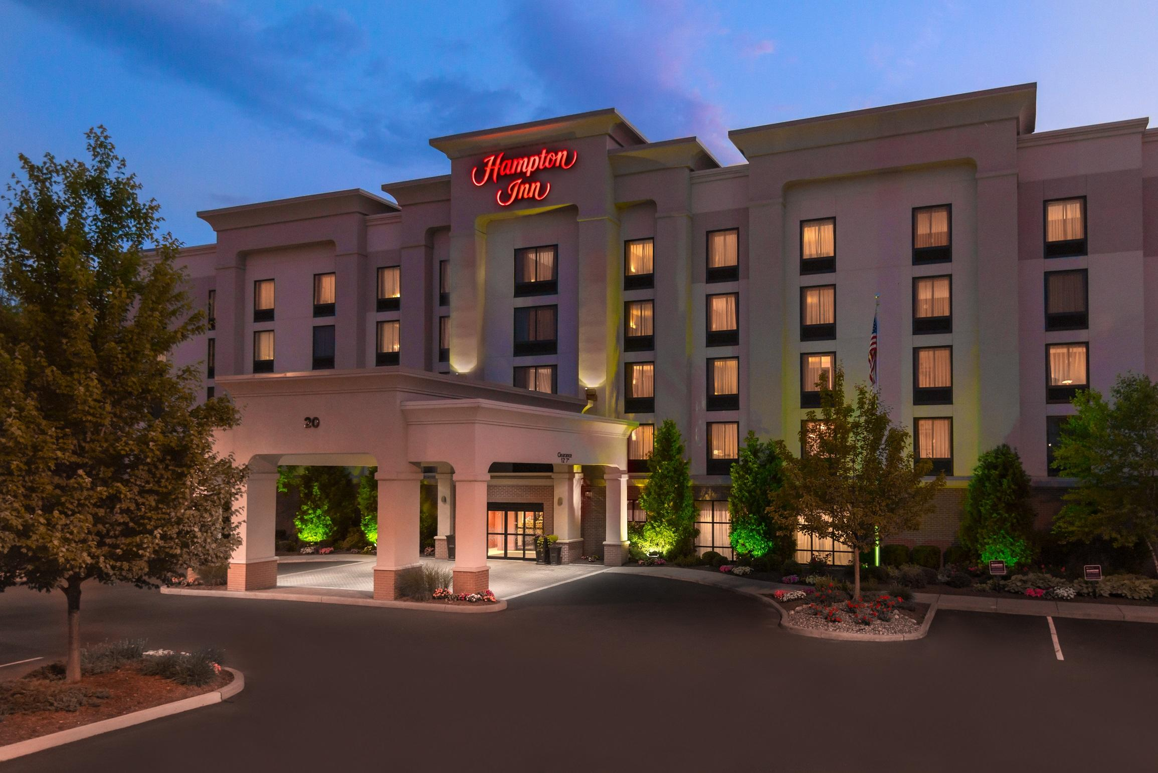 Hampton inn springfield south enfield coupons near me in for A salon enfield ct