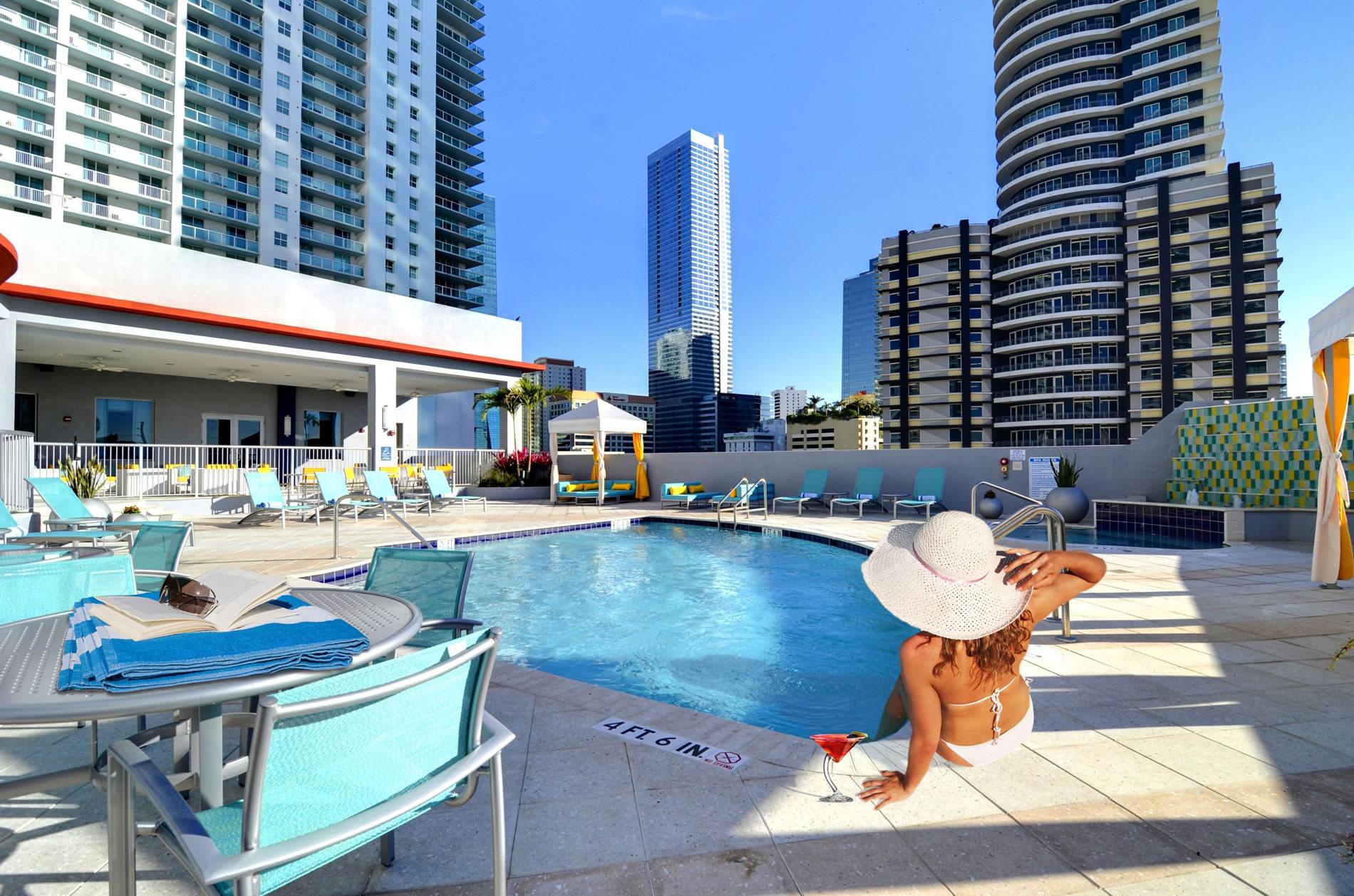 Hampton inn suites by hilton miami brickell downtown for Pool design miami