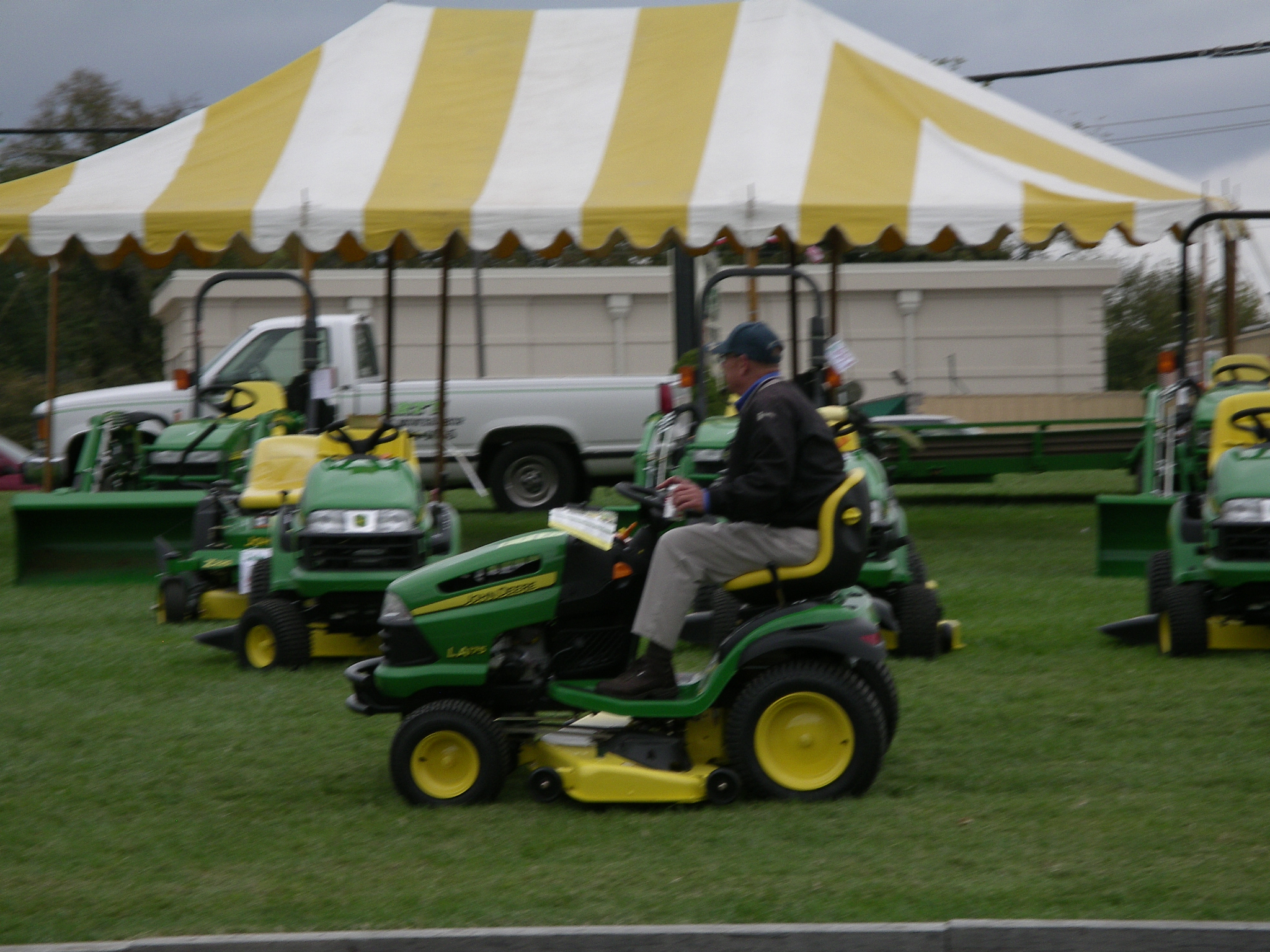 Arts lawn mower blackjack gambling day arts lawn mower blackjack fandeluxe Image collections