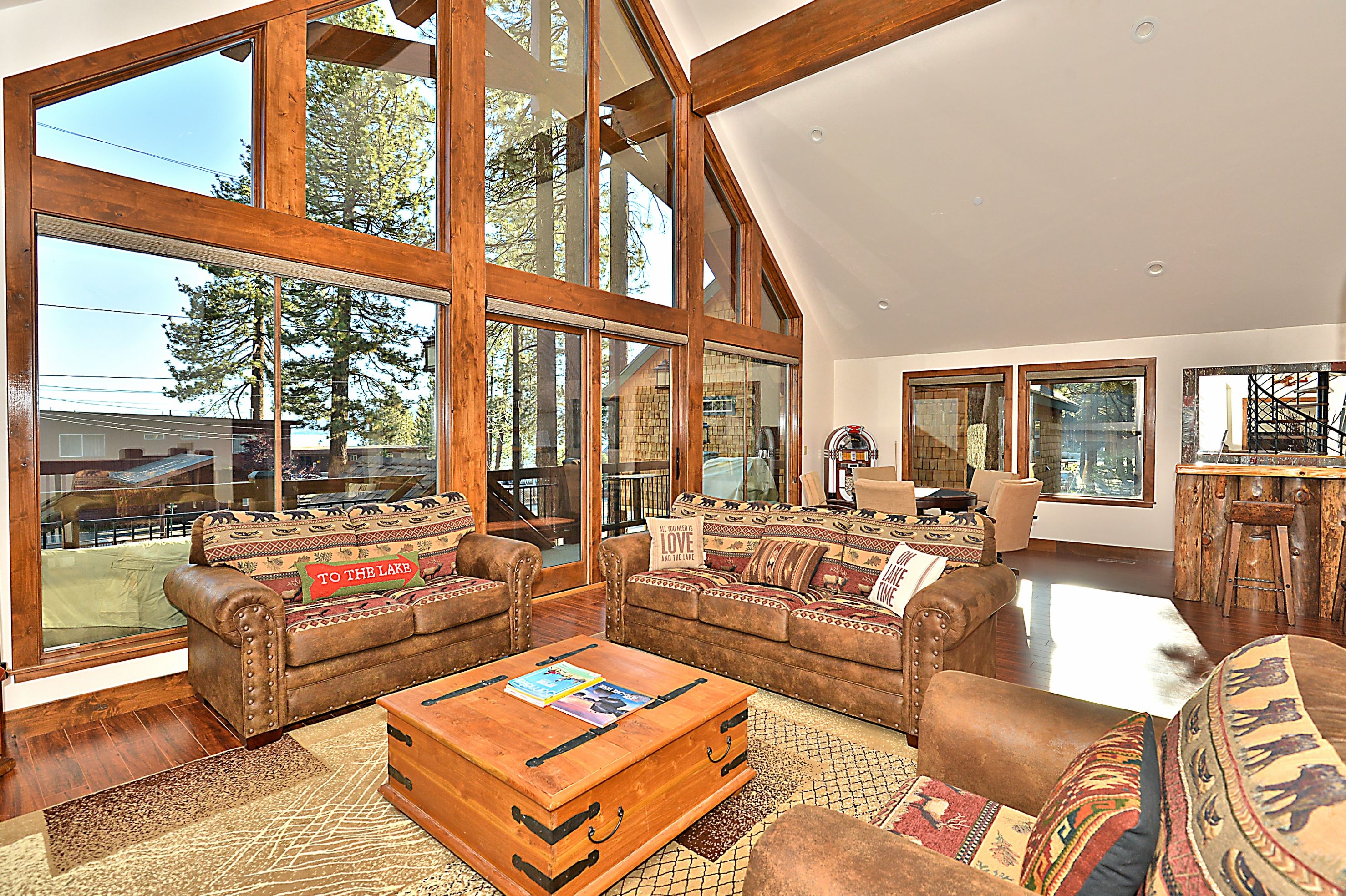 Famous cabin lake tahoe luxury vacation rental in south for Rent a cabin in lake tahoe ca