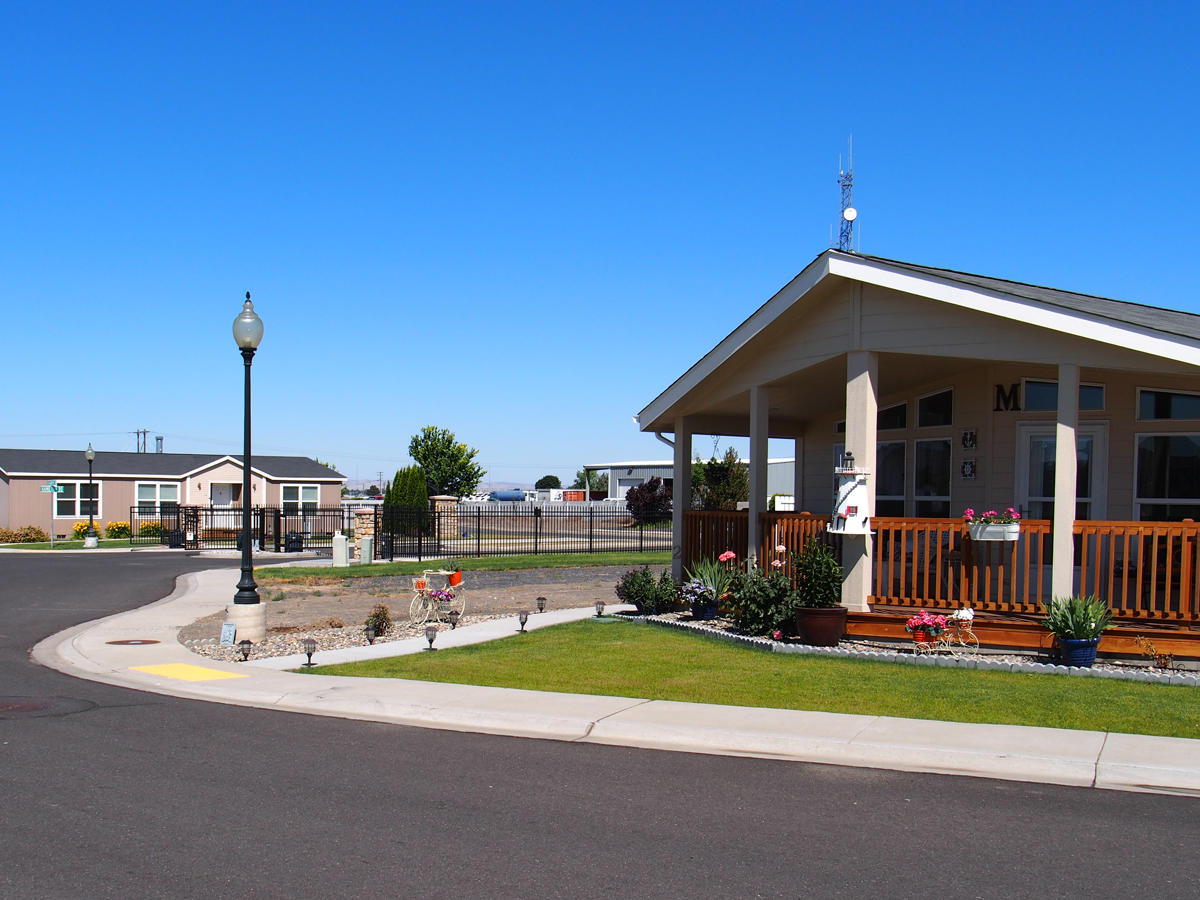 The Lakes Mobile Home Park In Moses Lake Wa