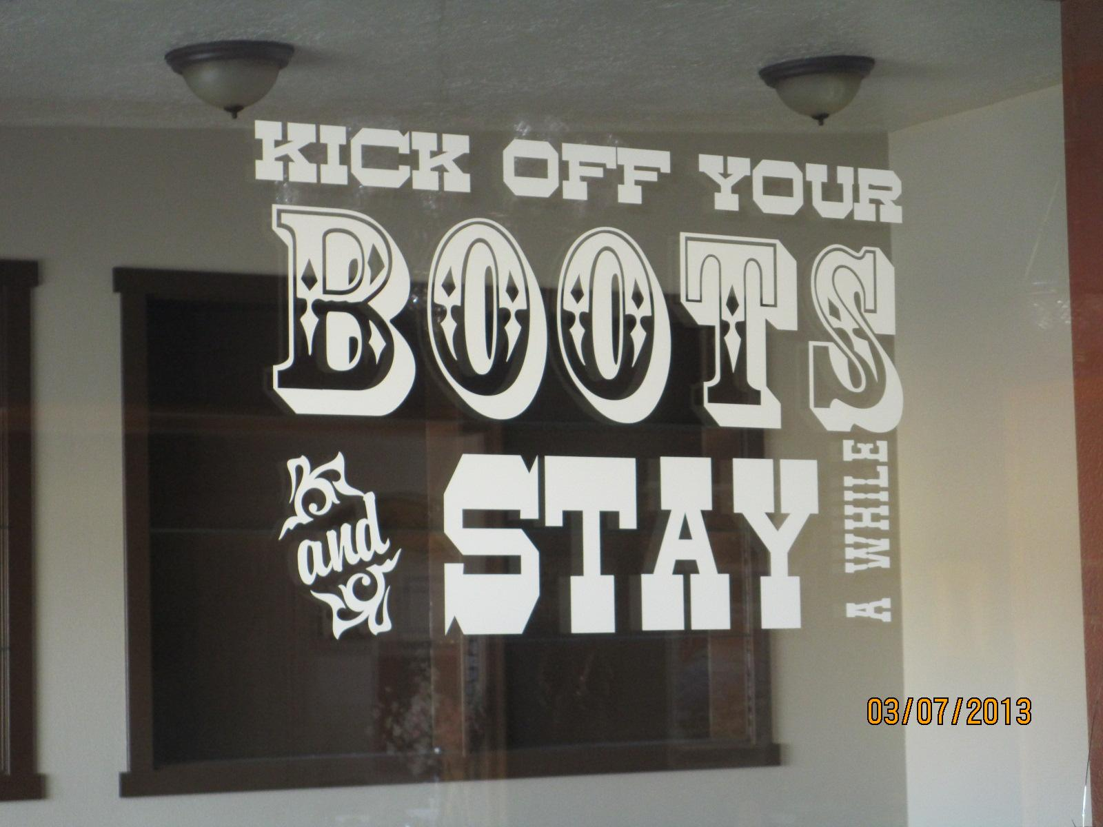 Kick Off Your Boots and Stay Awhile! Broken Spur Inn & Steakhouse Torrey (435)425-3775