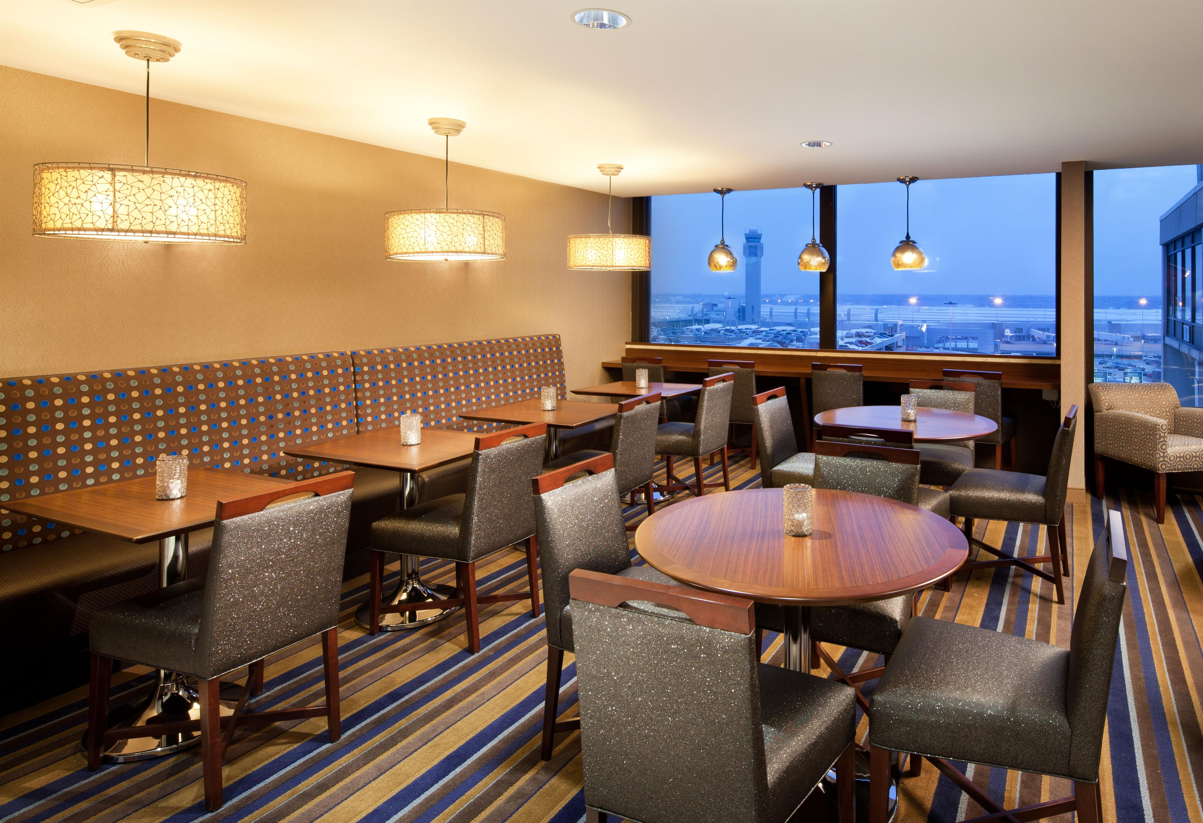 Hotels Near Cleveland Airport With Shuttle Service