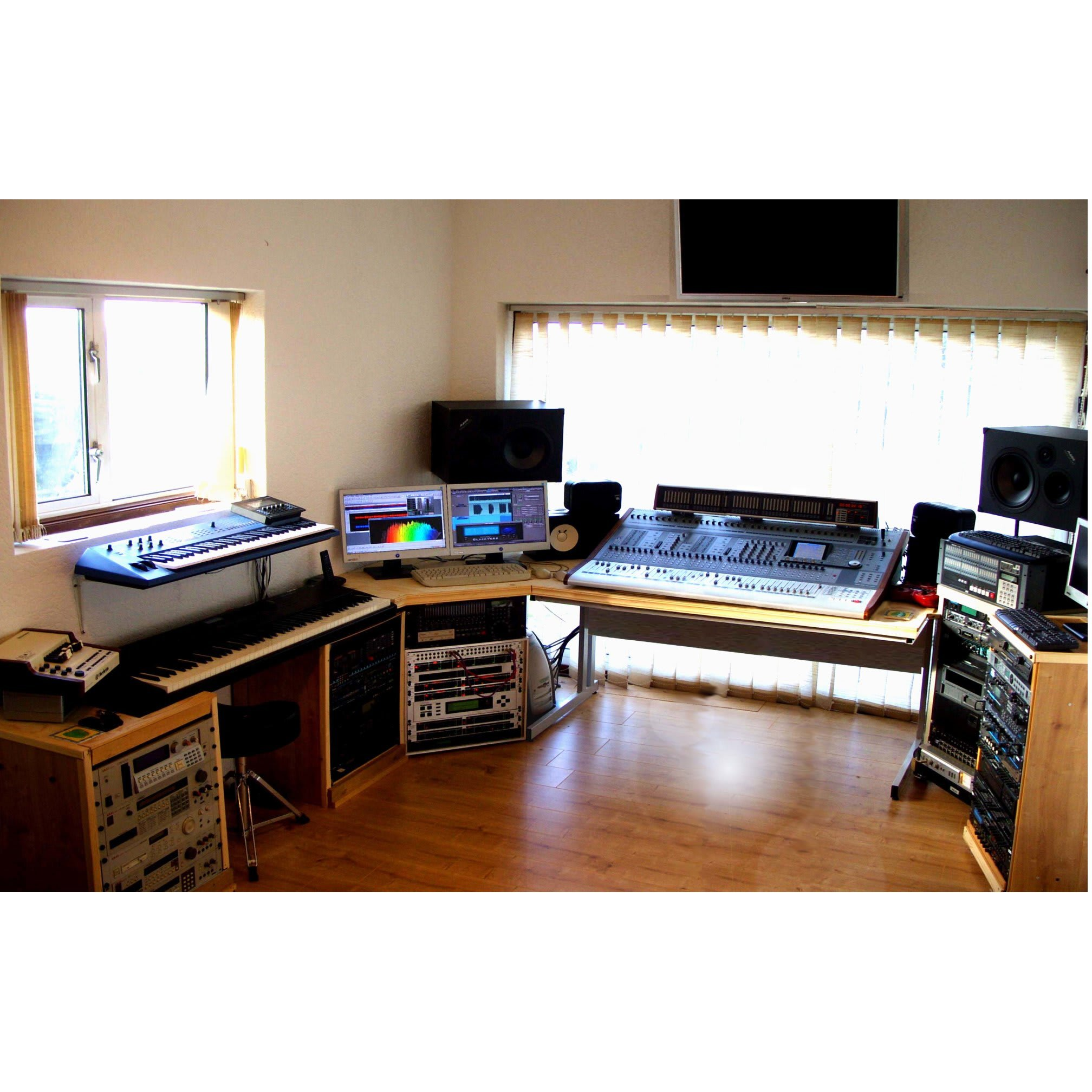 Appletree Studios - Aylesbury, Buckinghamshire HP18 9PL - 01844 237916 | ShowMeLocal.com