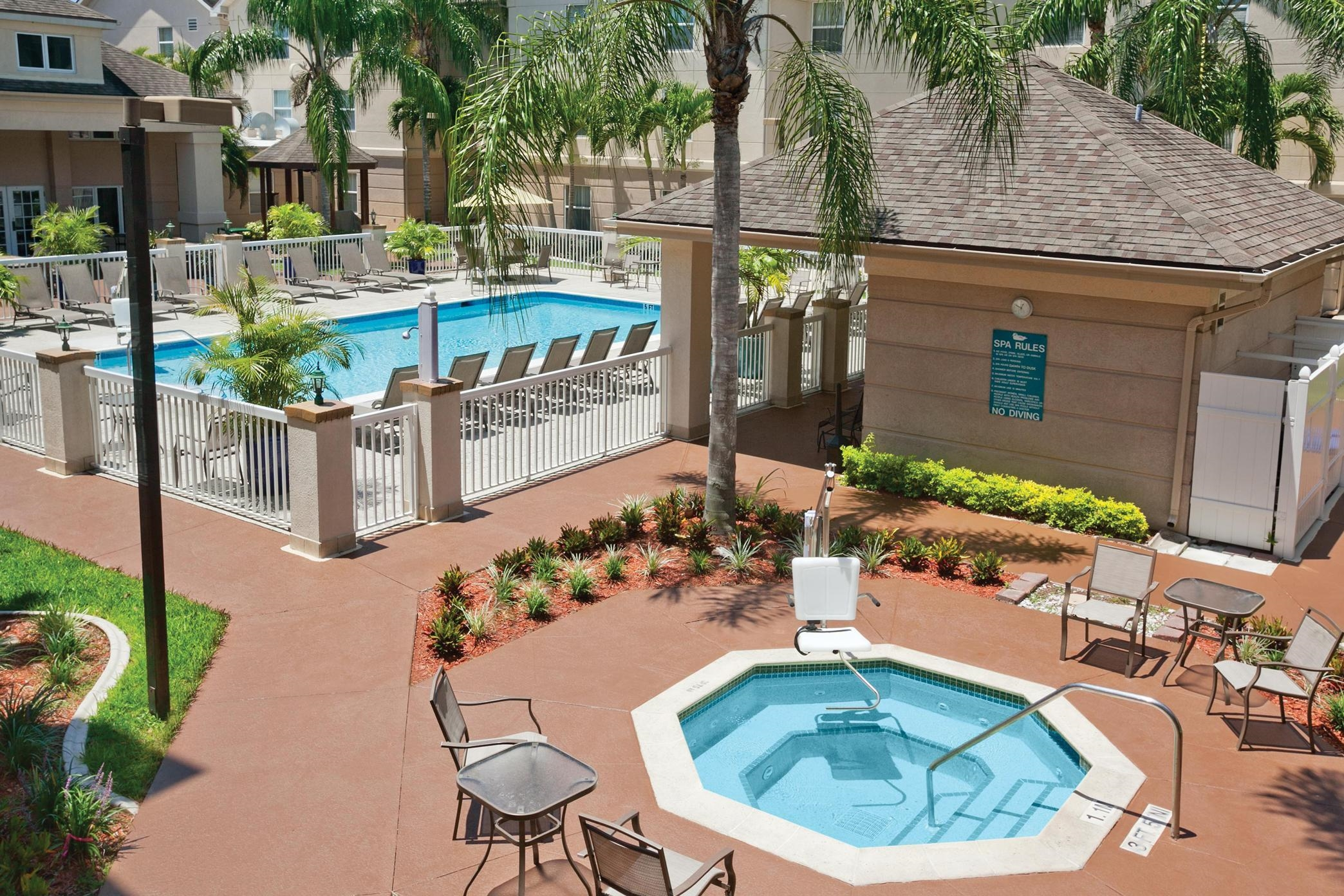 Hilton Garden Inn Fort Myers Airport Fgcu Coupons Near Me In Fort Myers 8coupons