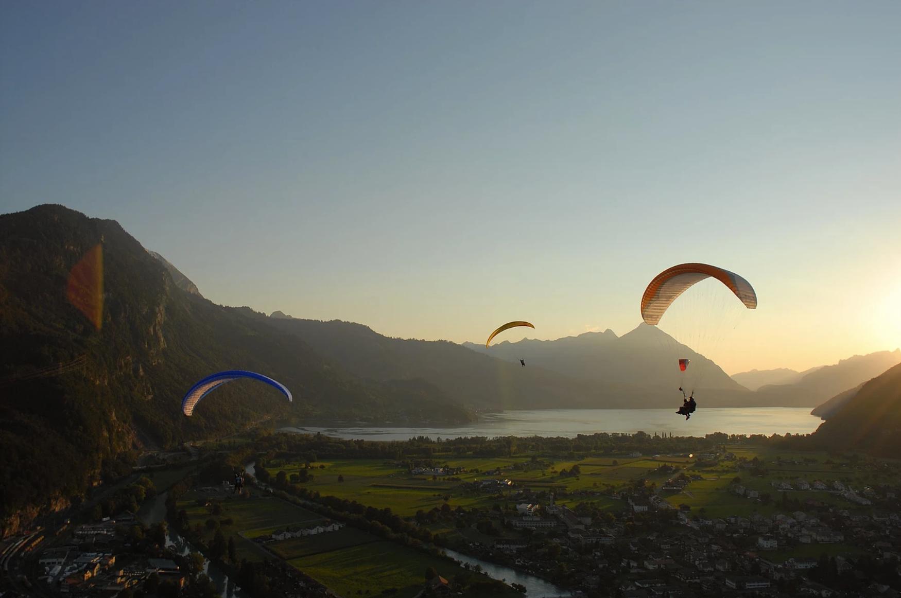 Twin Paragliding Interlaken