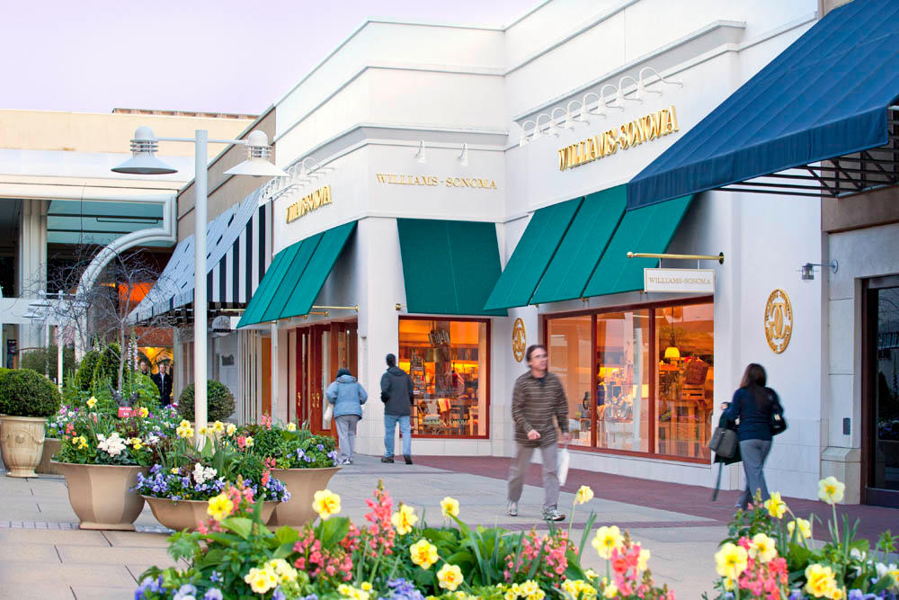 Welcome to Stanford Shopping Center, Northern California's premier open-air shopping and dining destination with Bloomingdale's, Macy's, Nordstrom, Neiman Marcus, Wilkes Bashford and more than world-class specialty stores, ranging from luxury brands to local favorites.4/4().