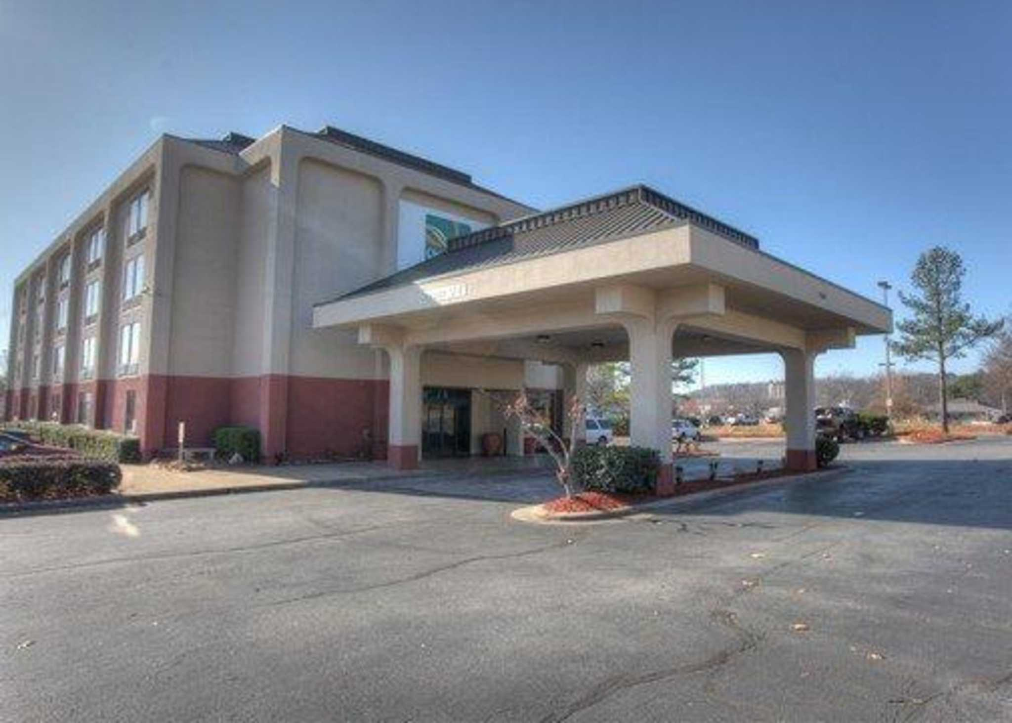Quality Inn Suites In North Little Rock Ar 72114