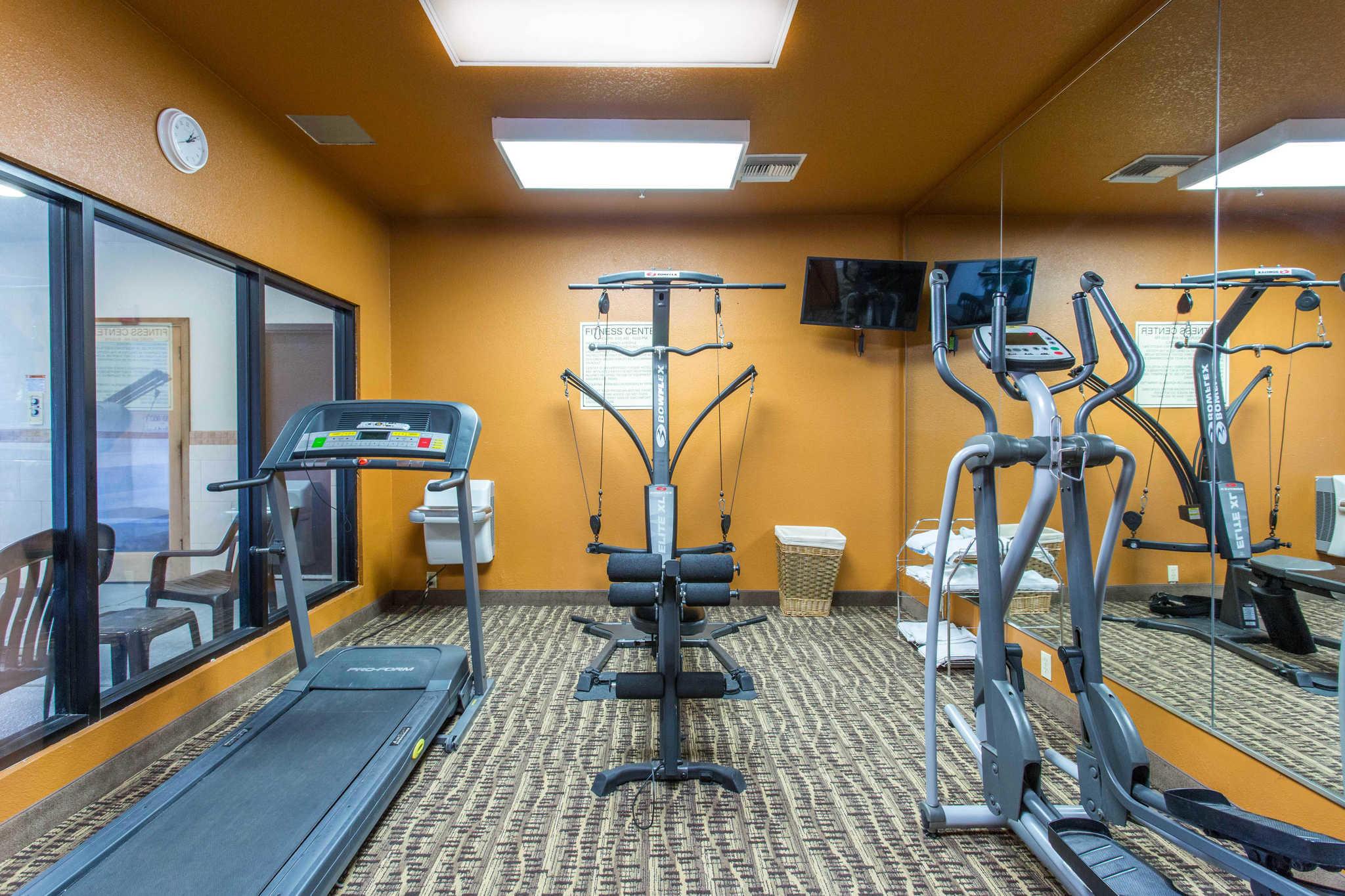 Comfort inn suites deming new mexico nm for Grand motor inn deming