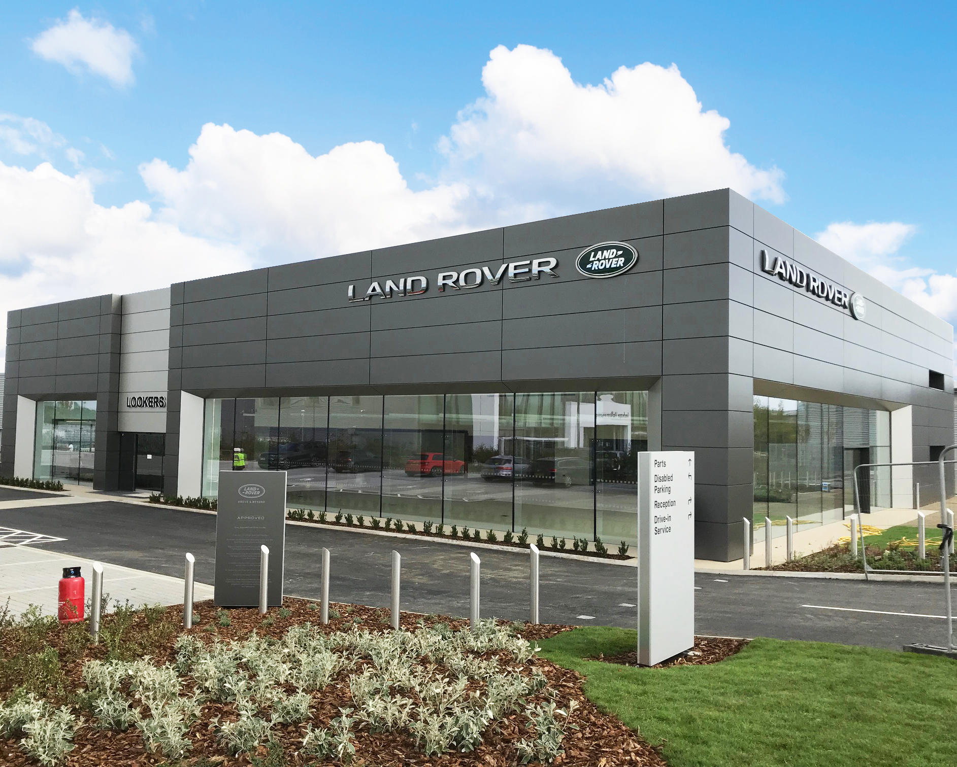 lookers land rover colchester colchester car dealers. Black Bedroom Furniture Sets. Home Design Ideas