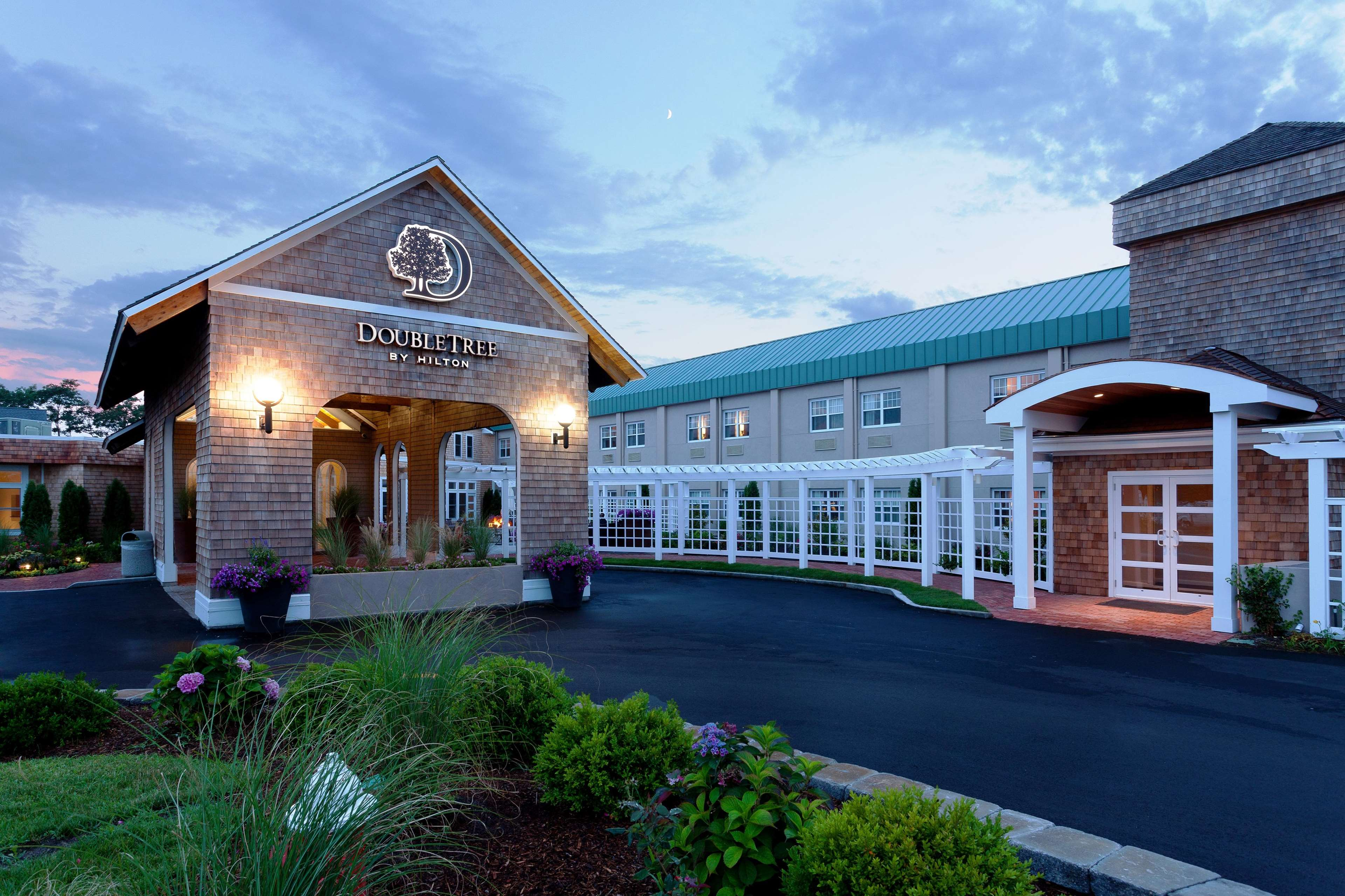 doubletree by hilton hotel cape cod hyannis in hyannis. Black Bedroom Furniture Sets. Home Design Ideas