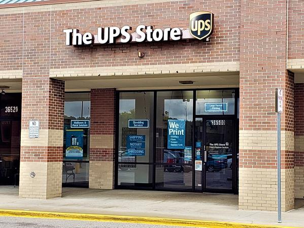 Facade of The UPS Store Westland