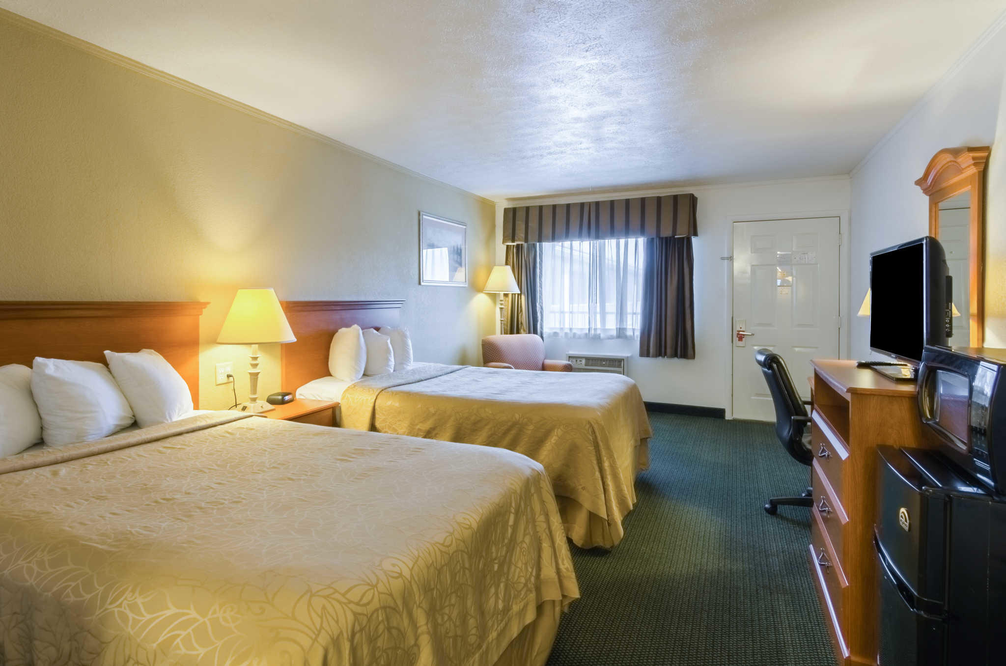Hotels With Late Check Out Times Near Me