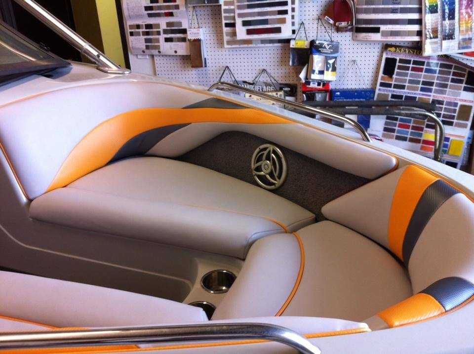 auto upholstery miami white bentley continental gt with custom rims upholstery auto. Black Bedroom Furniture Sets. Home Design Ideas