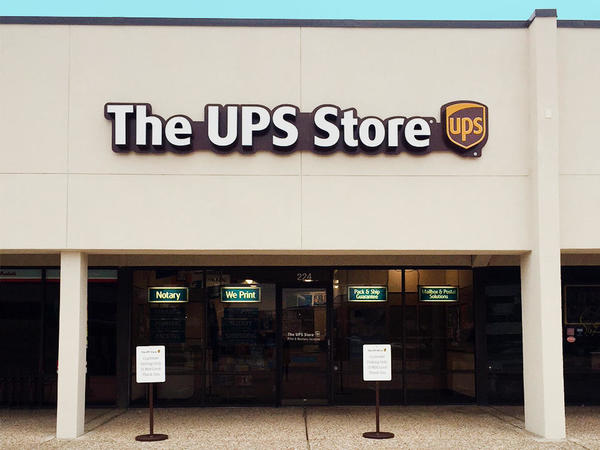 The Ups Store Canyon Creek Shopping Center Shipping Packing