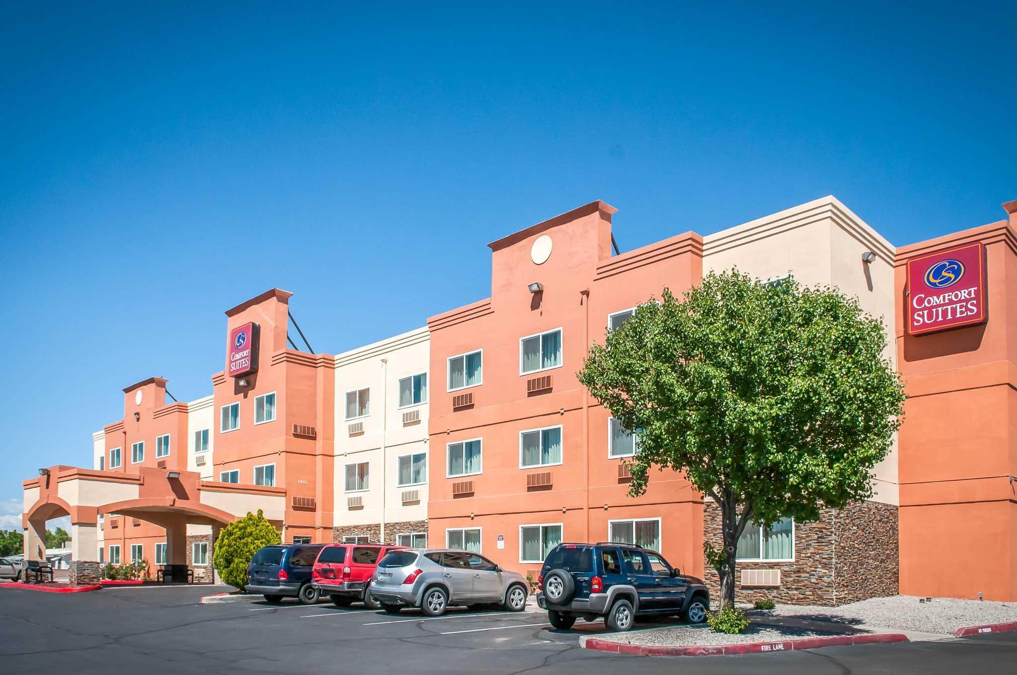 Comfort suites north albuquerque balloon fiesta park - Hilton garden inn albuquerque journal center ...