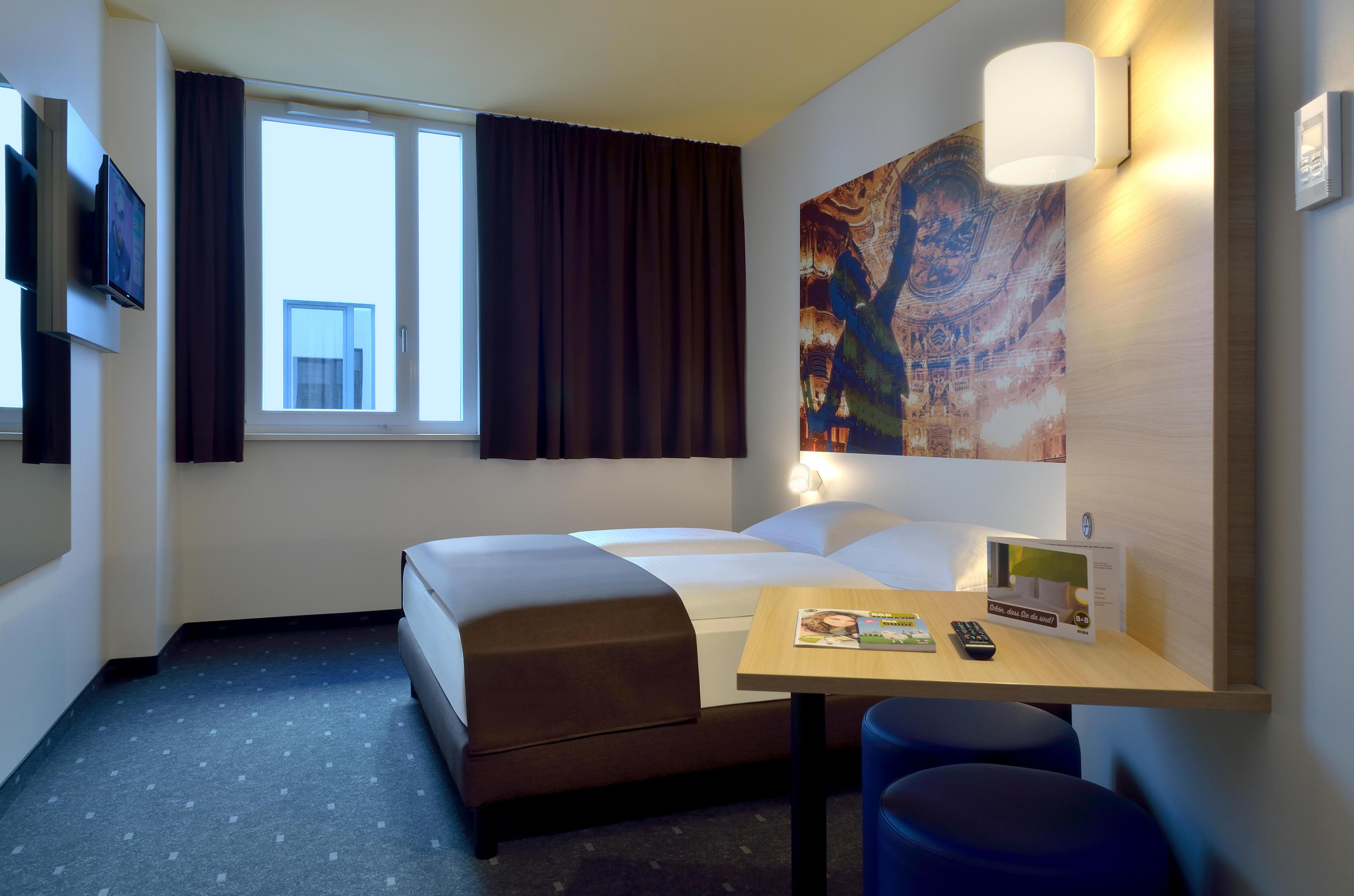 Zimmer mit französischem Bett