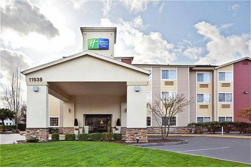 Holiday Inn Express & Suites Portland Airport image 0