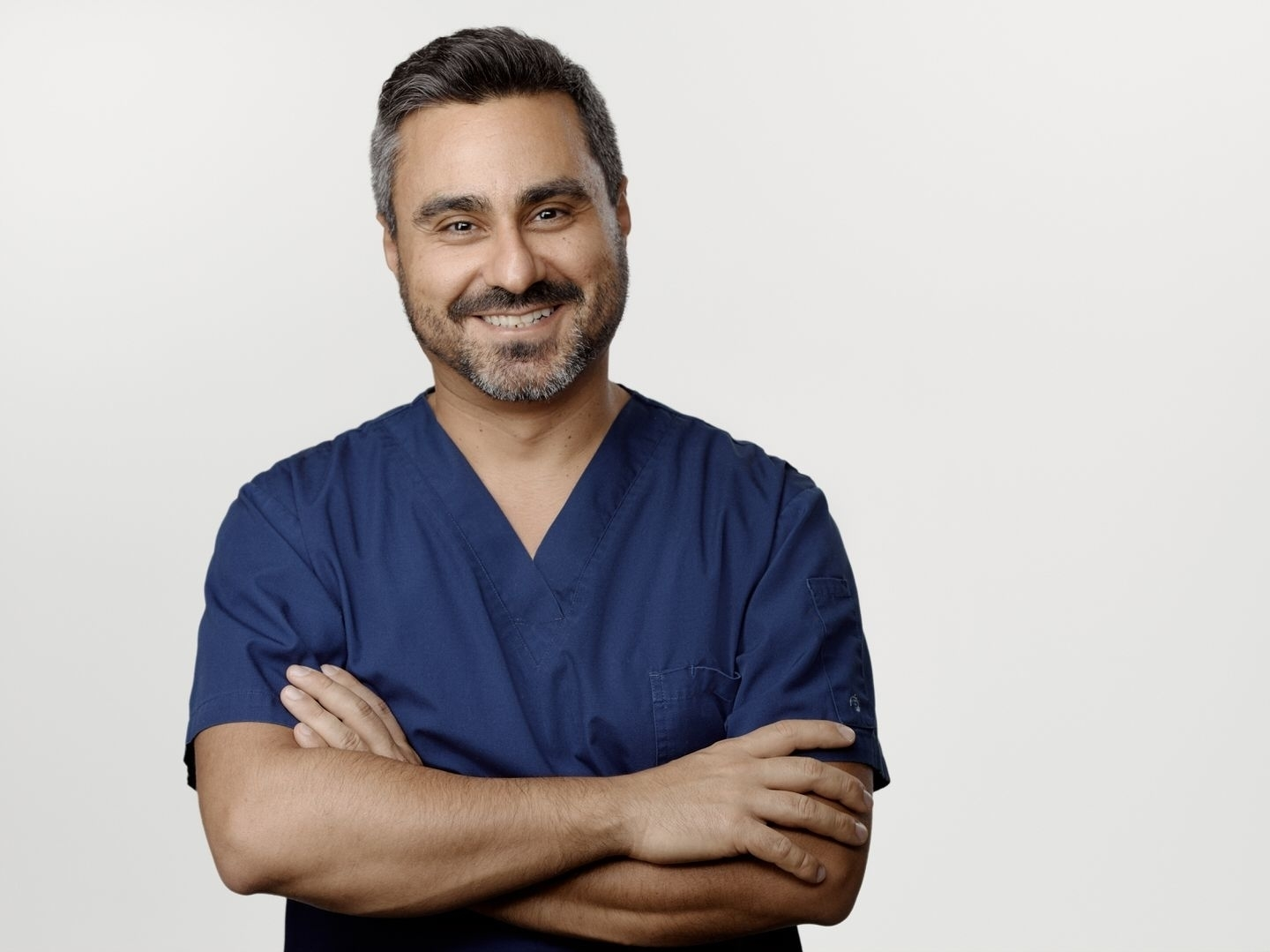 "Clinique dentaire Saba à Laval: ""I commit to offer you exceptional dental care"" Dr Saba, dentist owner"