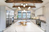 Luxury kitchen renovation located in Lloyd Harbor, NY