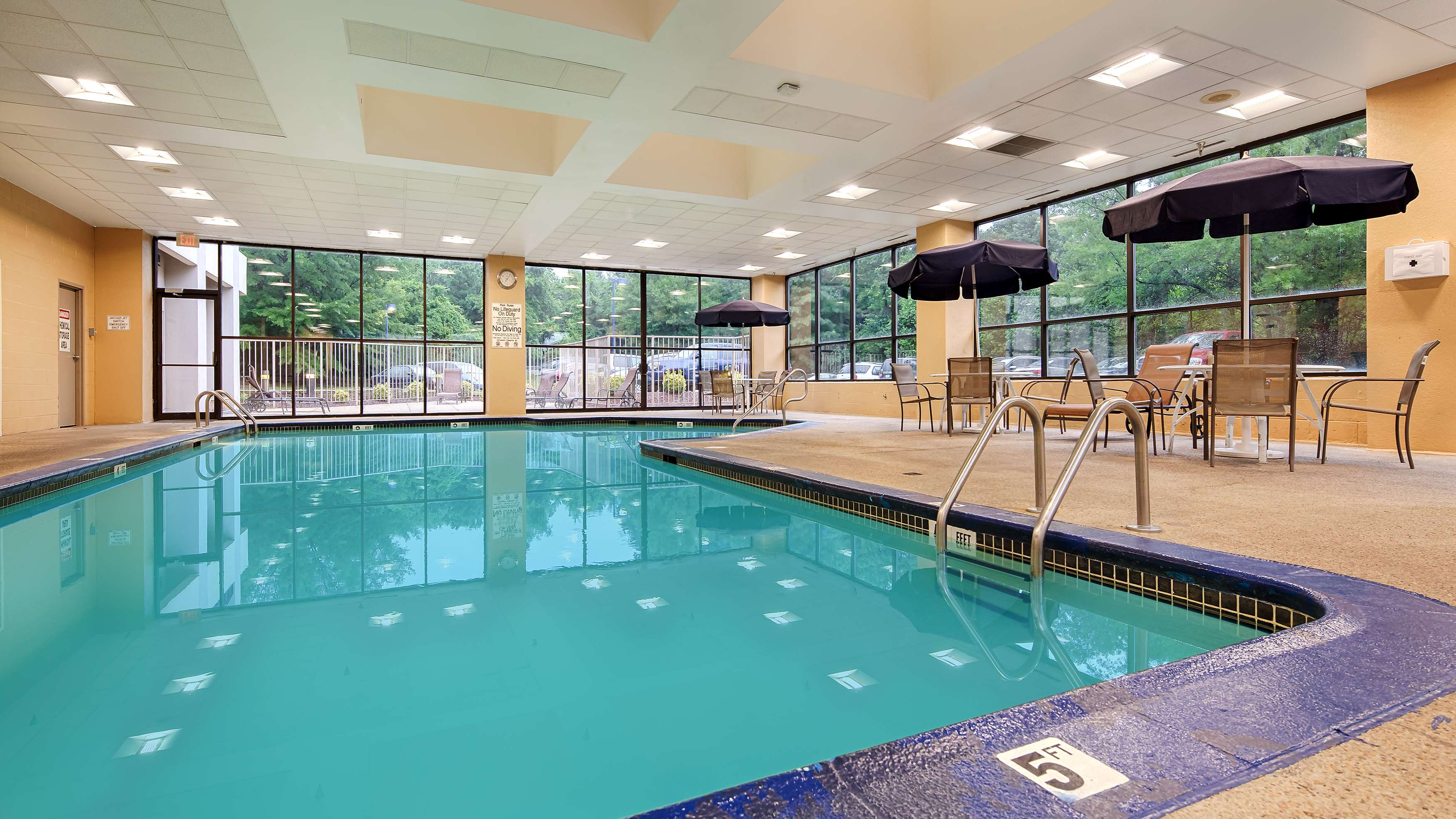Best western plus bwi airport hotel arundel mills - Arundel hotels with swimming pool ...