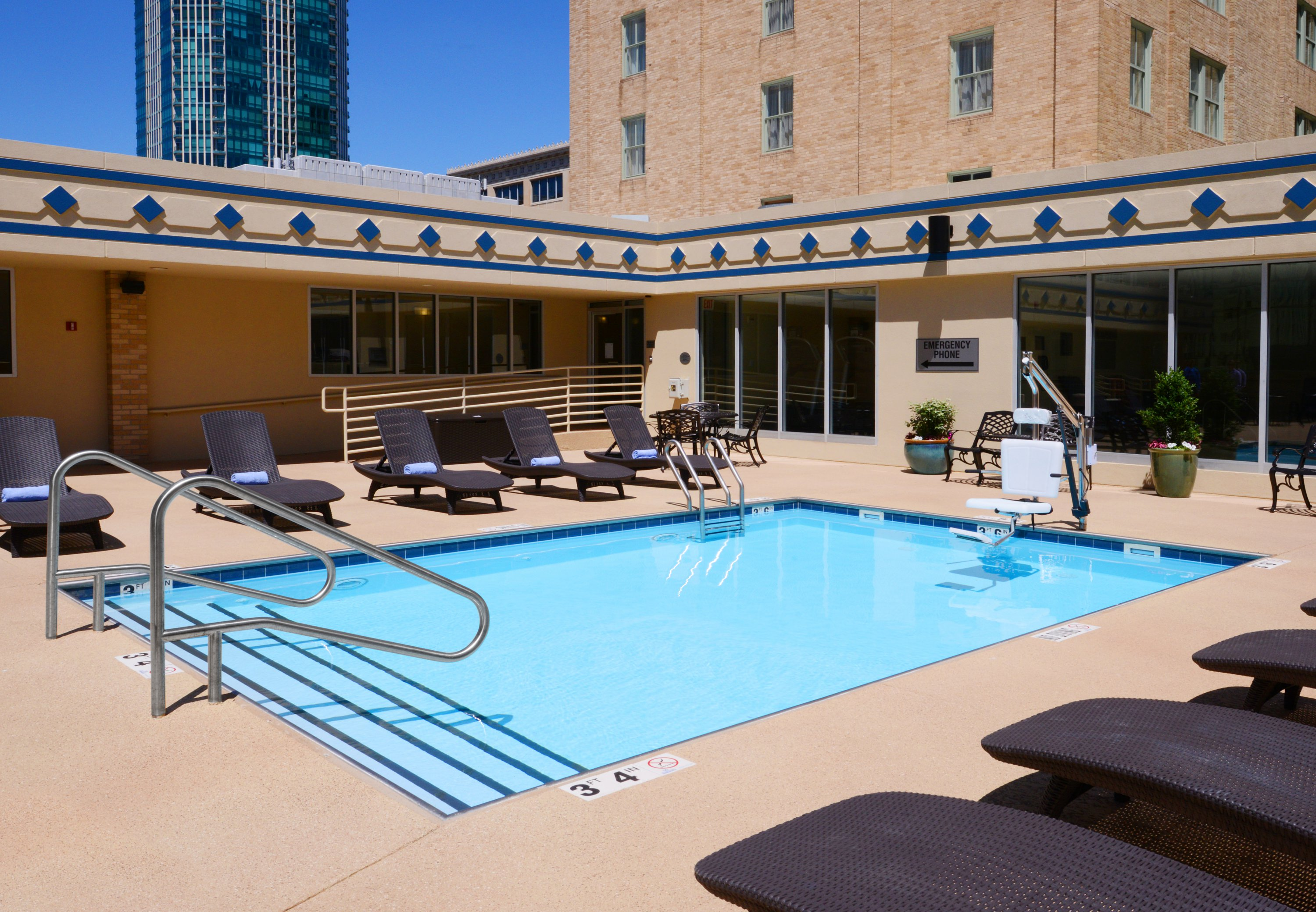 Courtyard By Marriott Fort Worth Downtown Blackstone Fort
