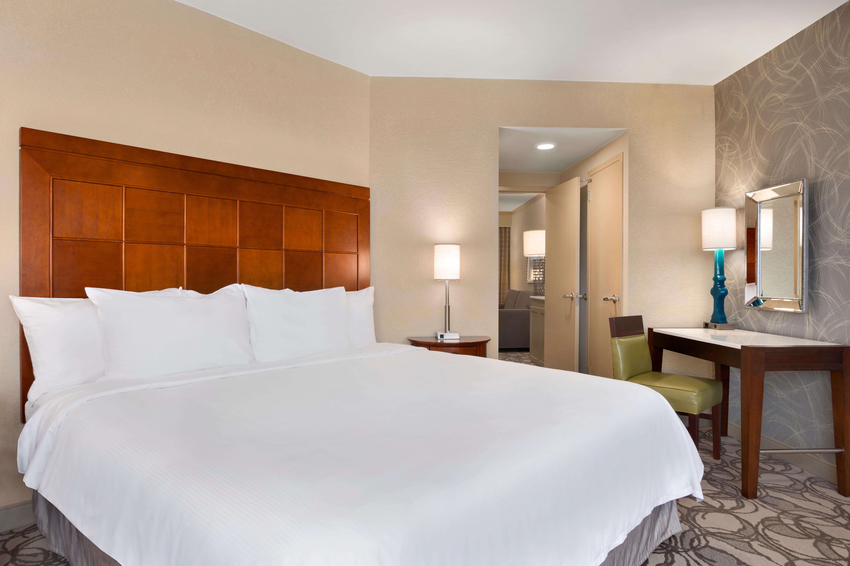 Embassy suites by hilton san antonio airport san antonio 2 bedroom hotel suites in san antonio texas